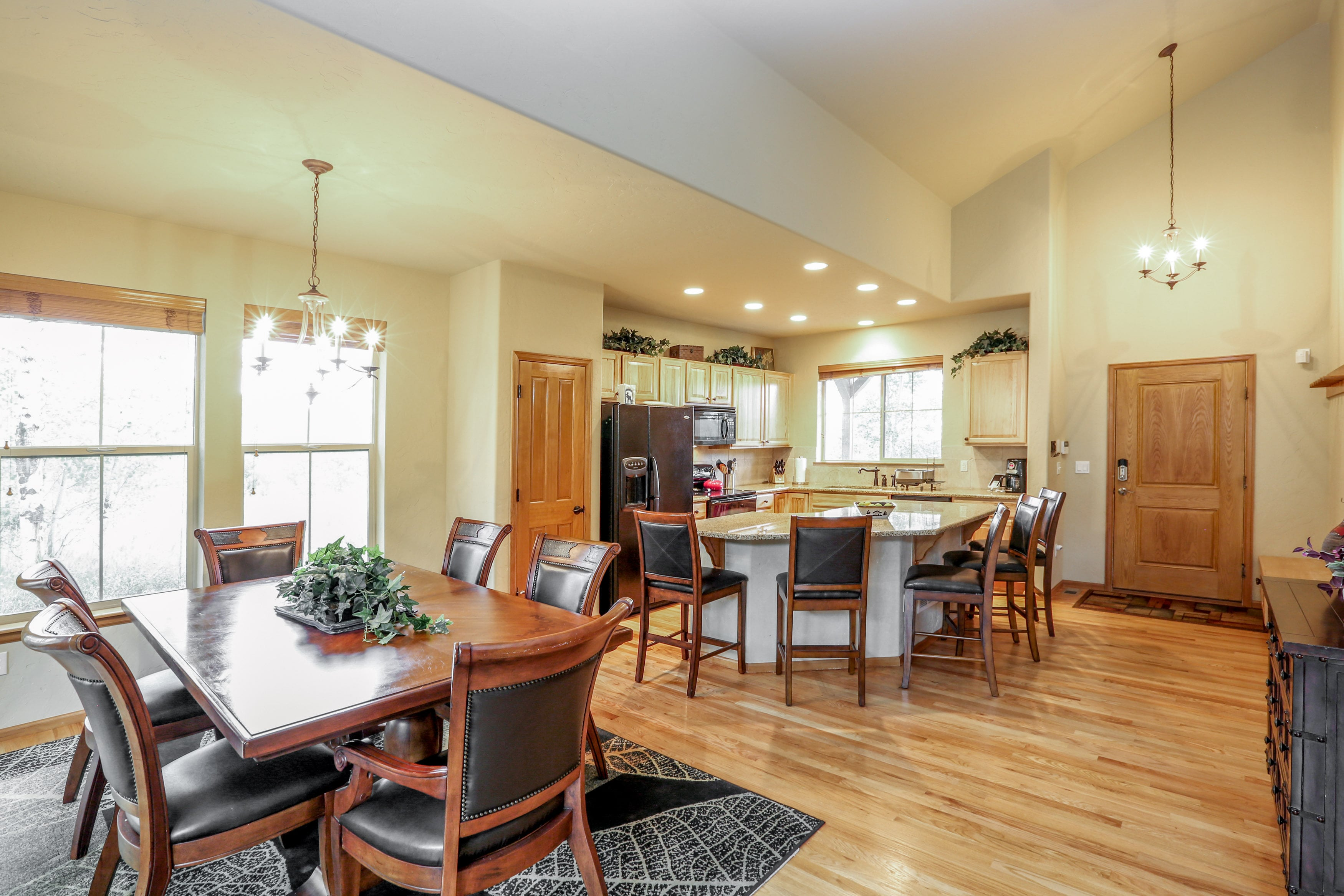 Vaulted ceilings and light pinewood floors make the space feel roomy.