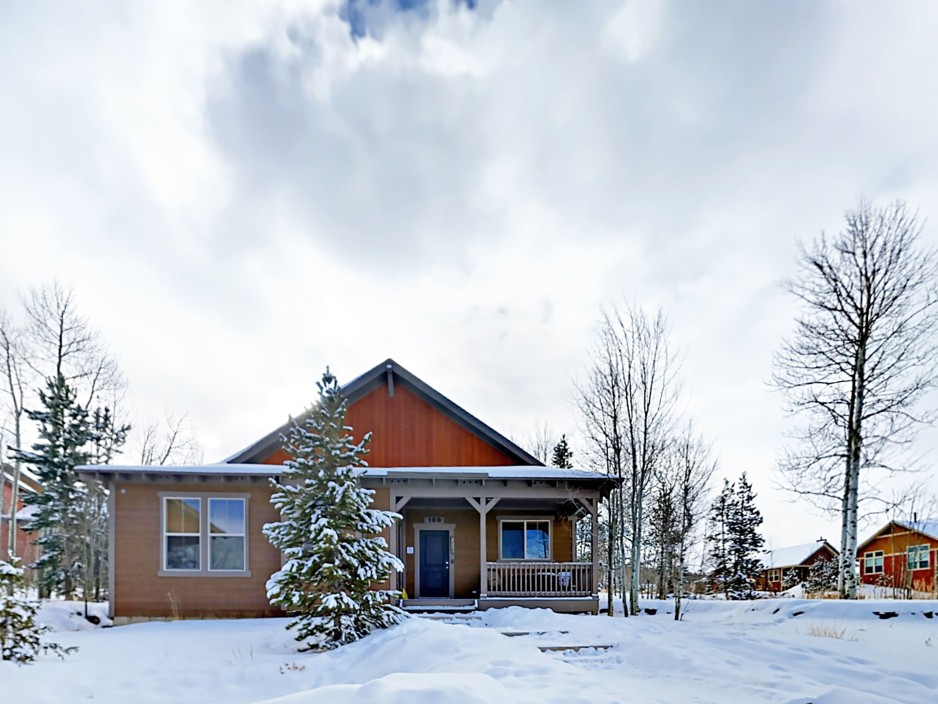 This is the perfect rental for several families or a group of friends to call home during a hiking or skiing trip.