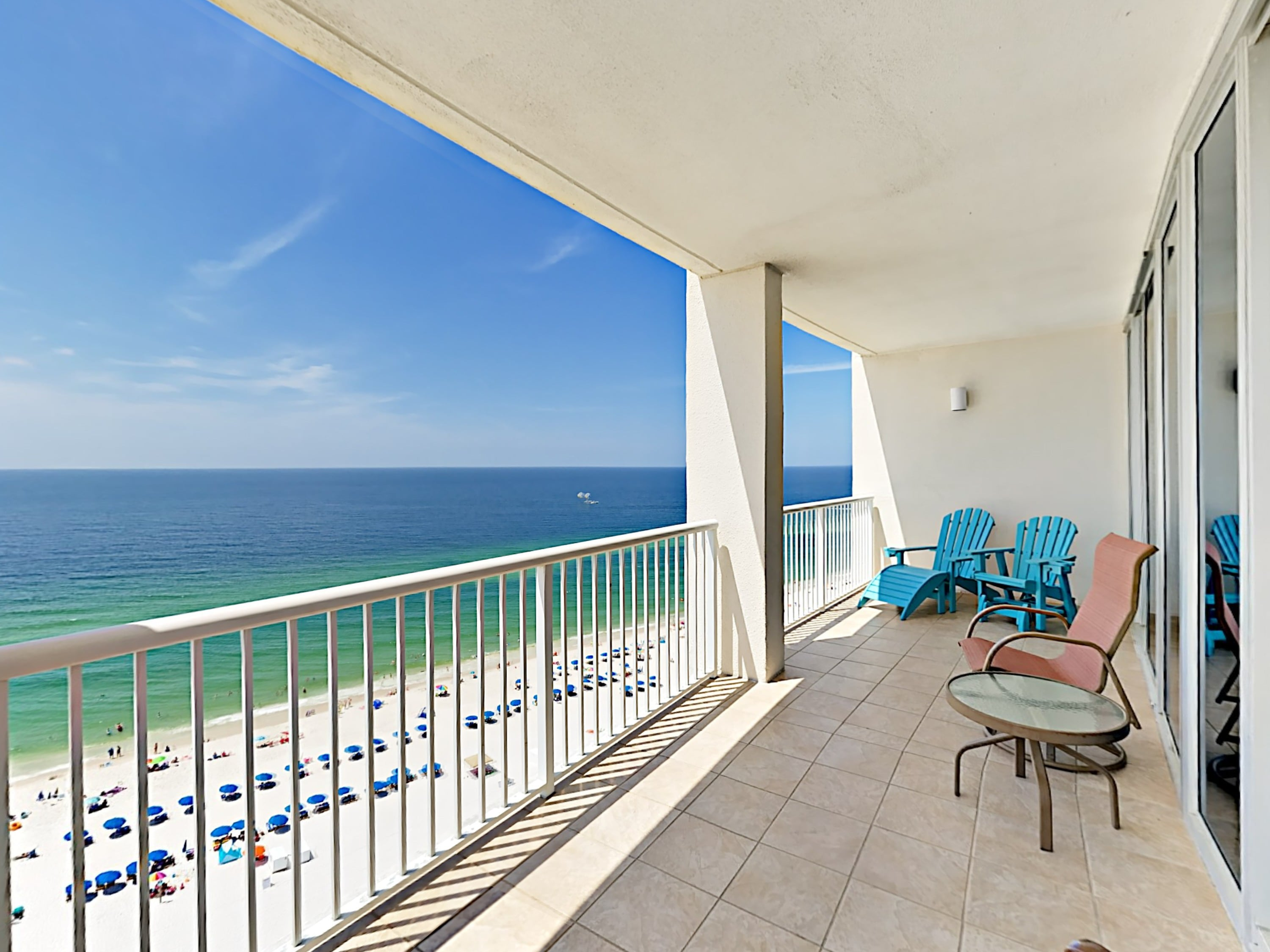 Welcome to Gulf Shores! Sip lemonade on the private balcony with mesmerizing Gulf views.
