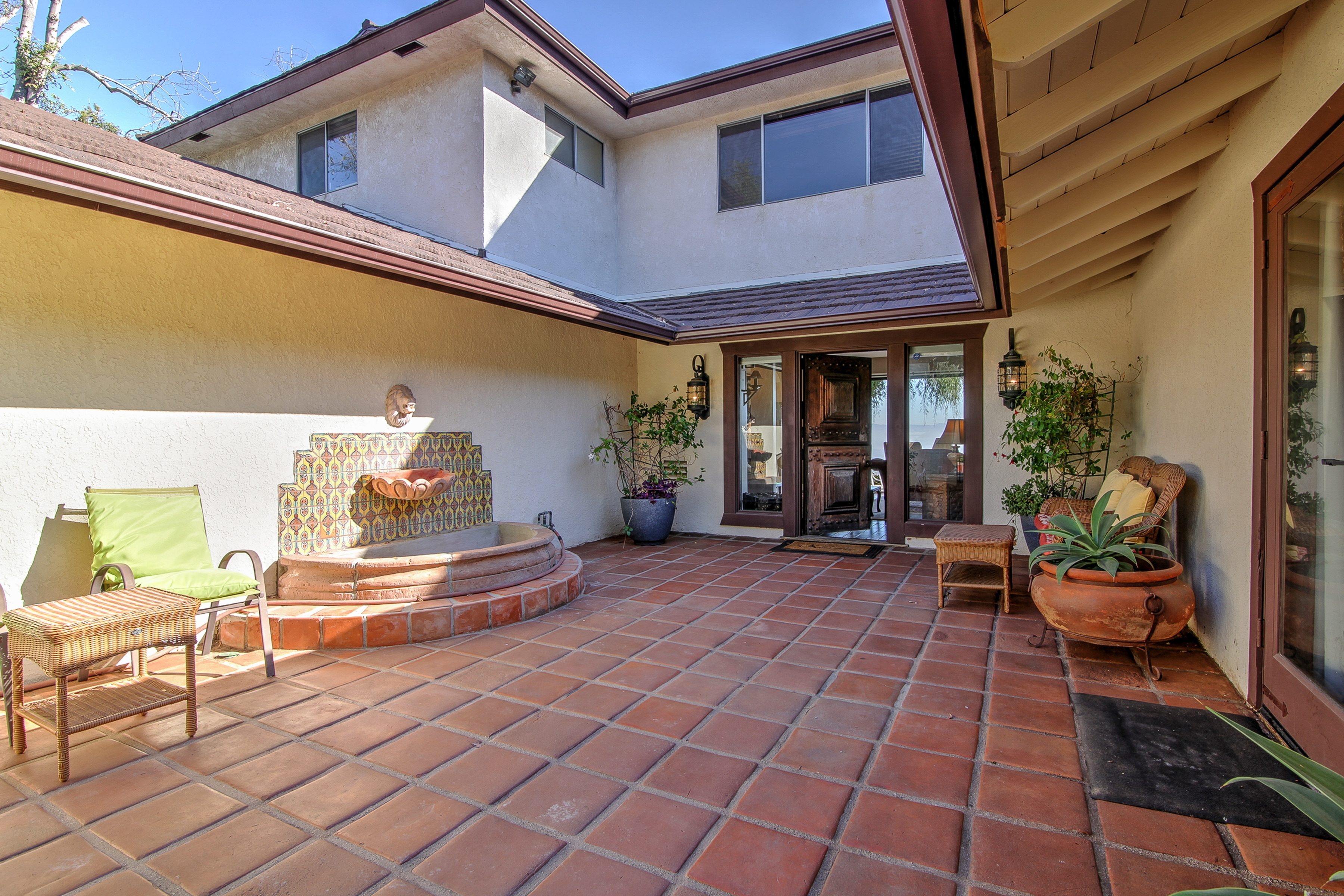 Your 2-story home is set in a peaceful neighborhood atop Laguna Beach.