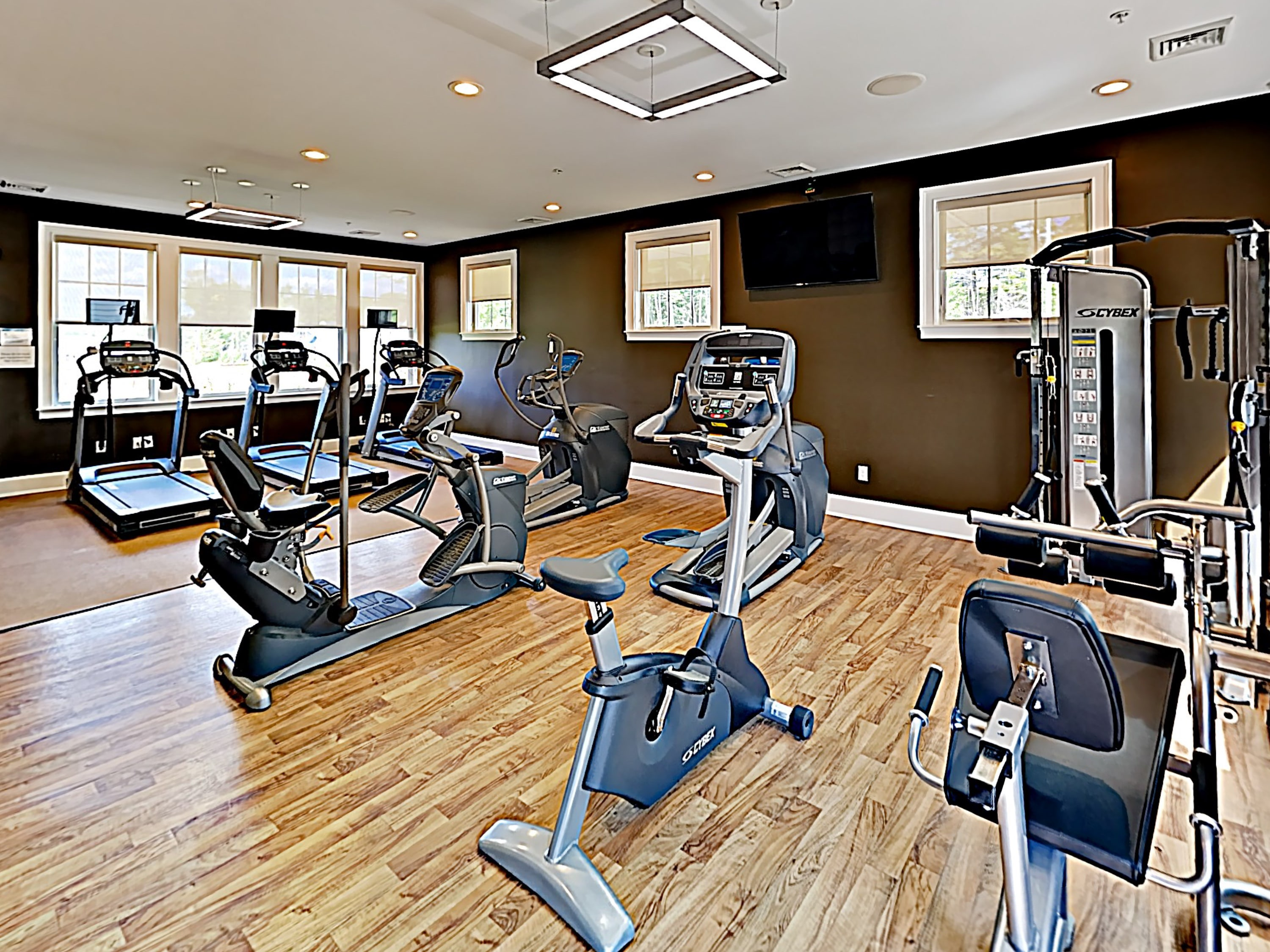 A fitness center helps you stick to your workout routine.
