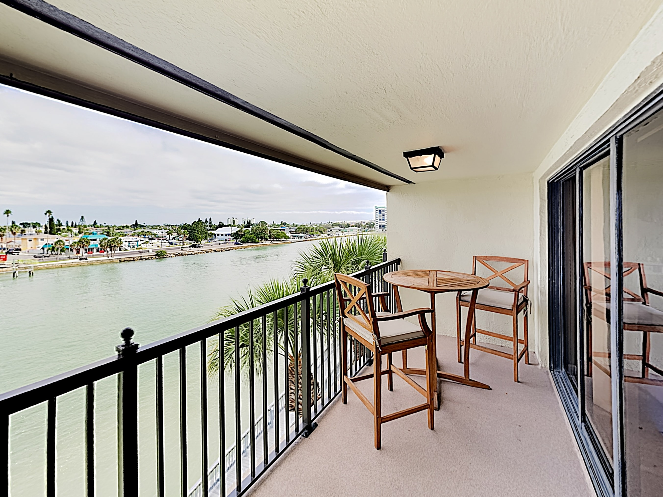 Overlooking a public Intracoastal beach, the 4th-floor balcony offers seating for 2.