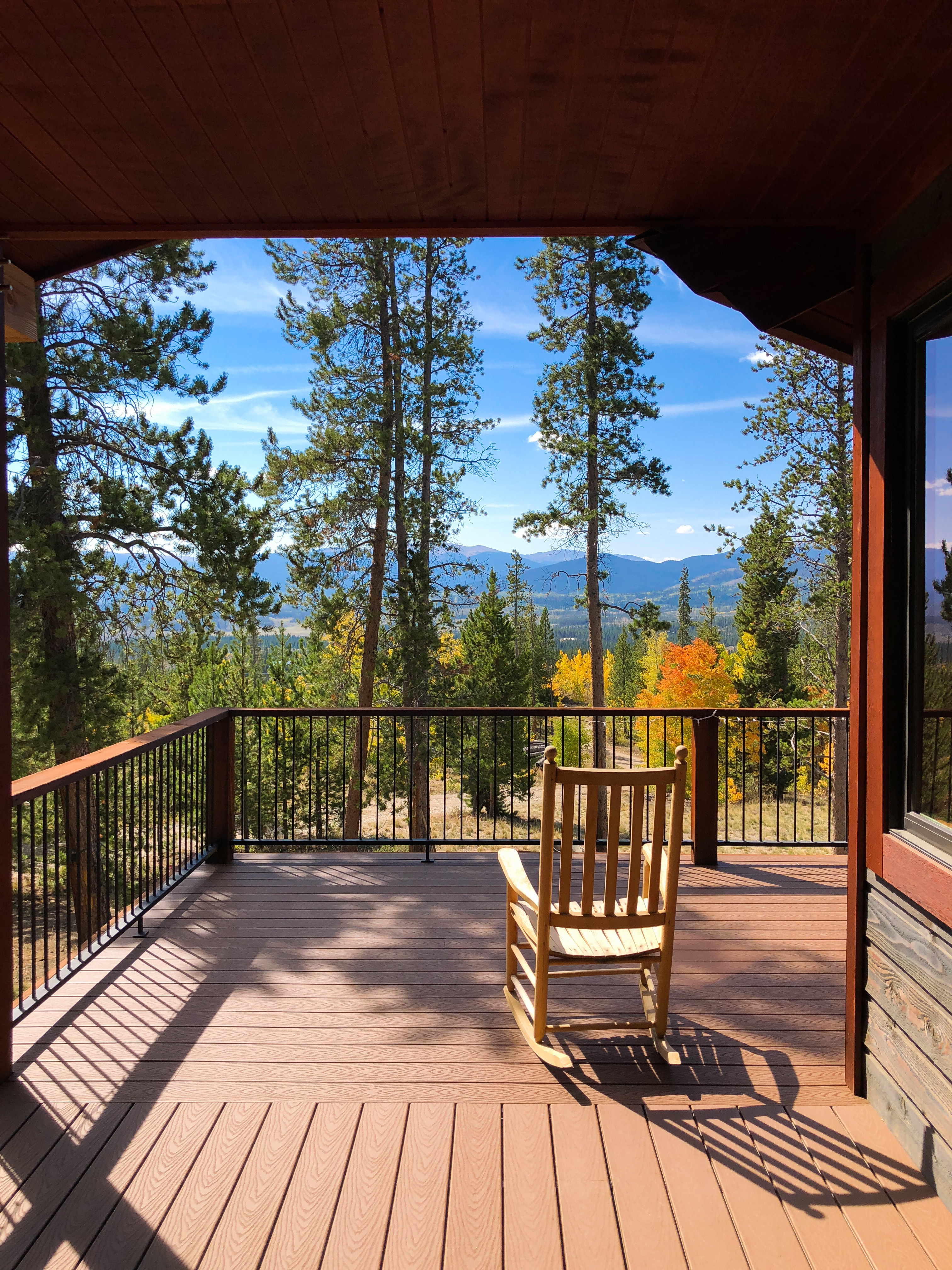 Sip morning coffee on the deck while taking in fantastic mountain views.
