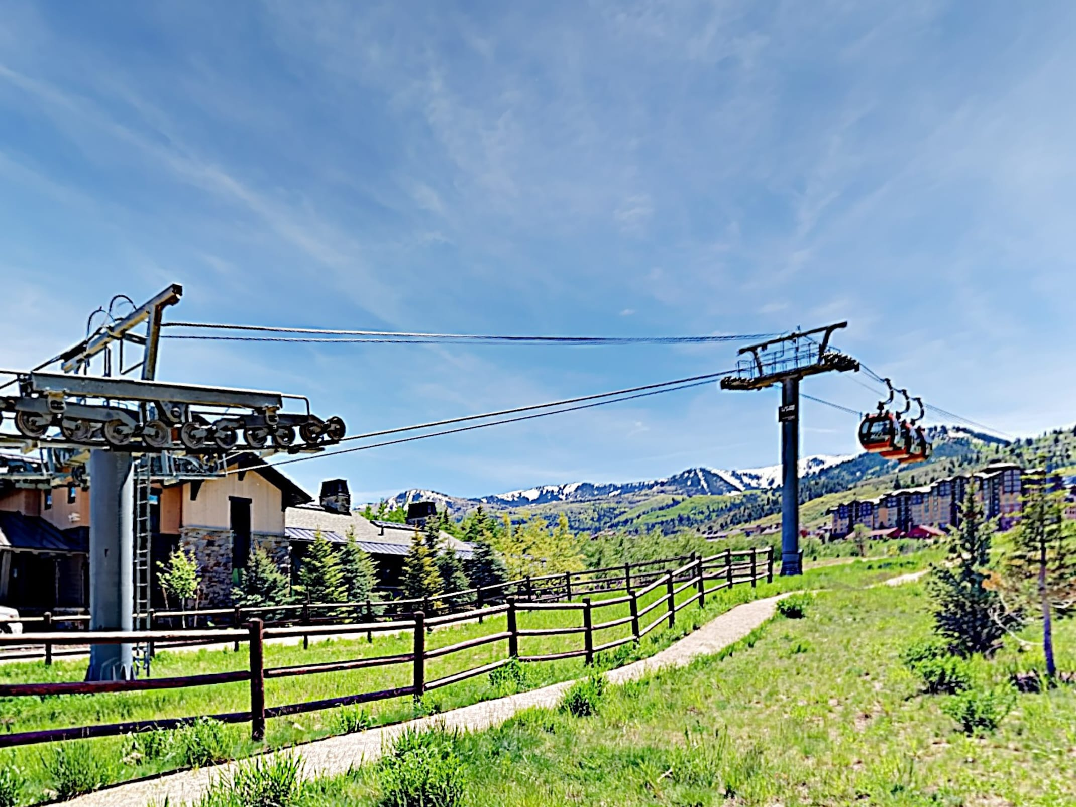 The Frostwood Gondola to Park City Mountain is a short walk from your door.