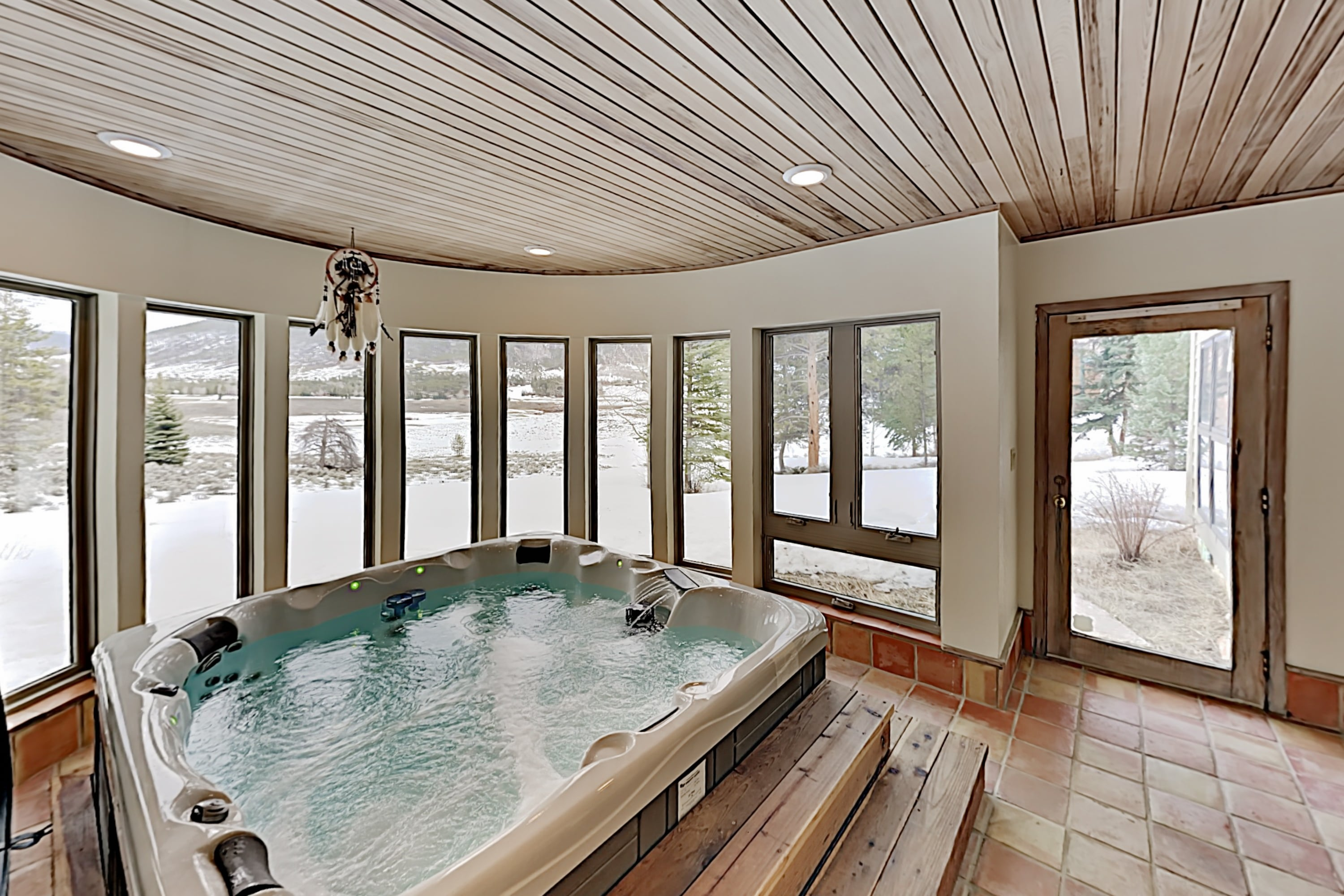 Keystone Ranch w/ Hot Tub, Sauna & Chef's Kitchen