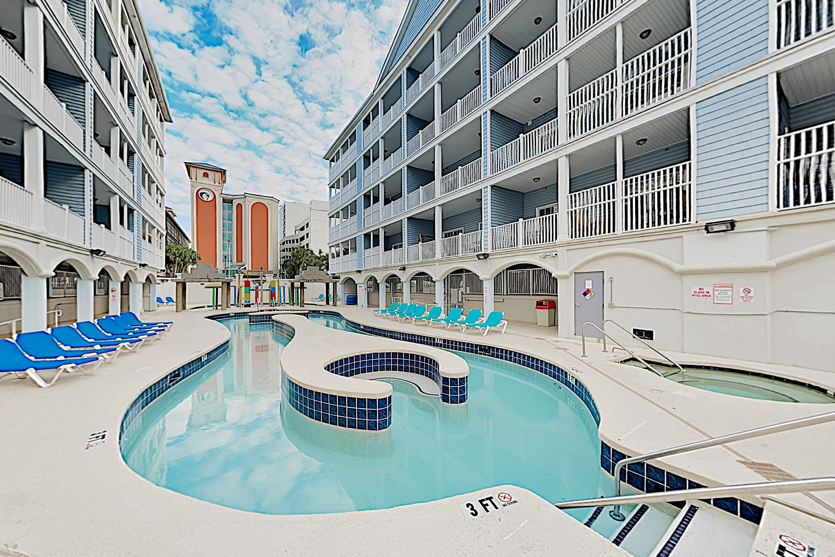 Property Image 2 - 1 Block to Beach! Downtown w/ Lazy River, Hot Tubs