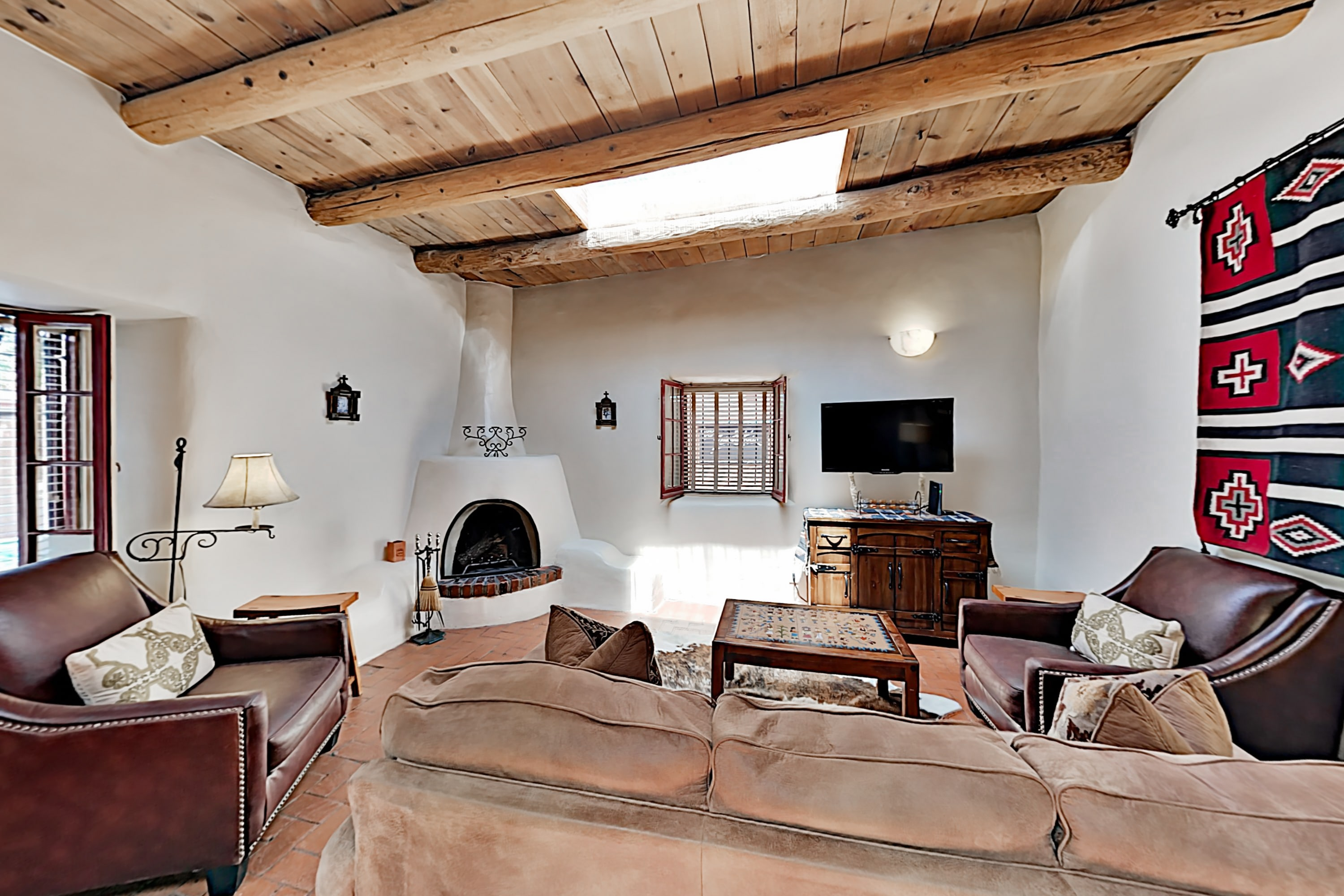 Reposada: Charming Condo w/ Courtyard & Fireplaces