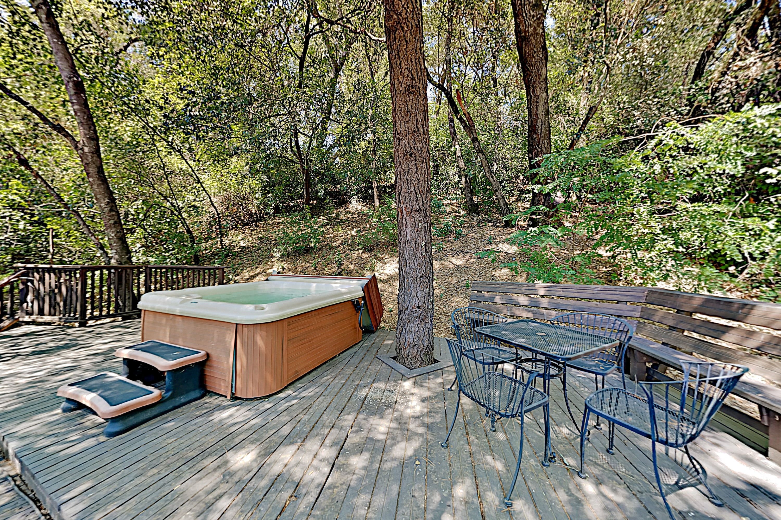 Choice Getaway w/ Hot Tub - Near Wineries, Dining