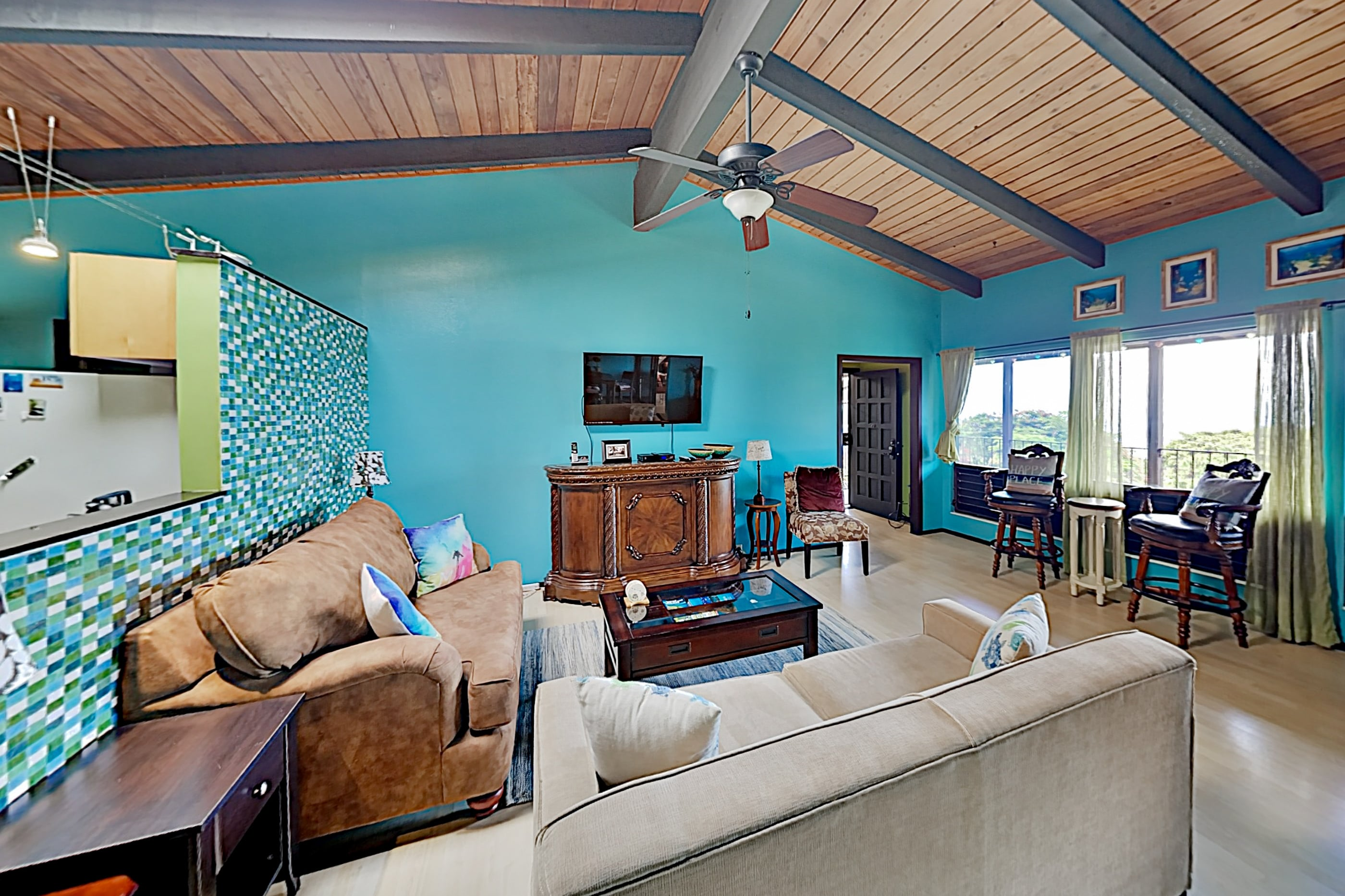 All-Suite Oasis with Private Pool & Lanai