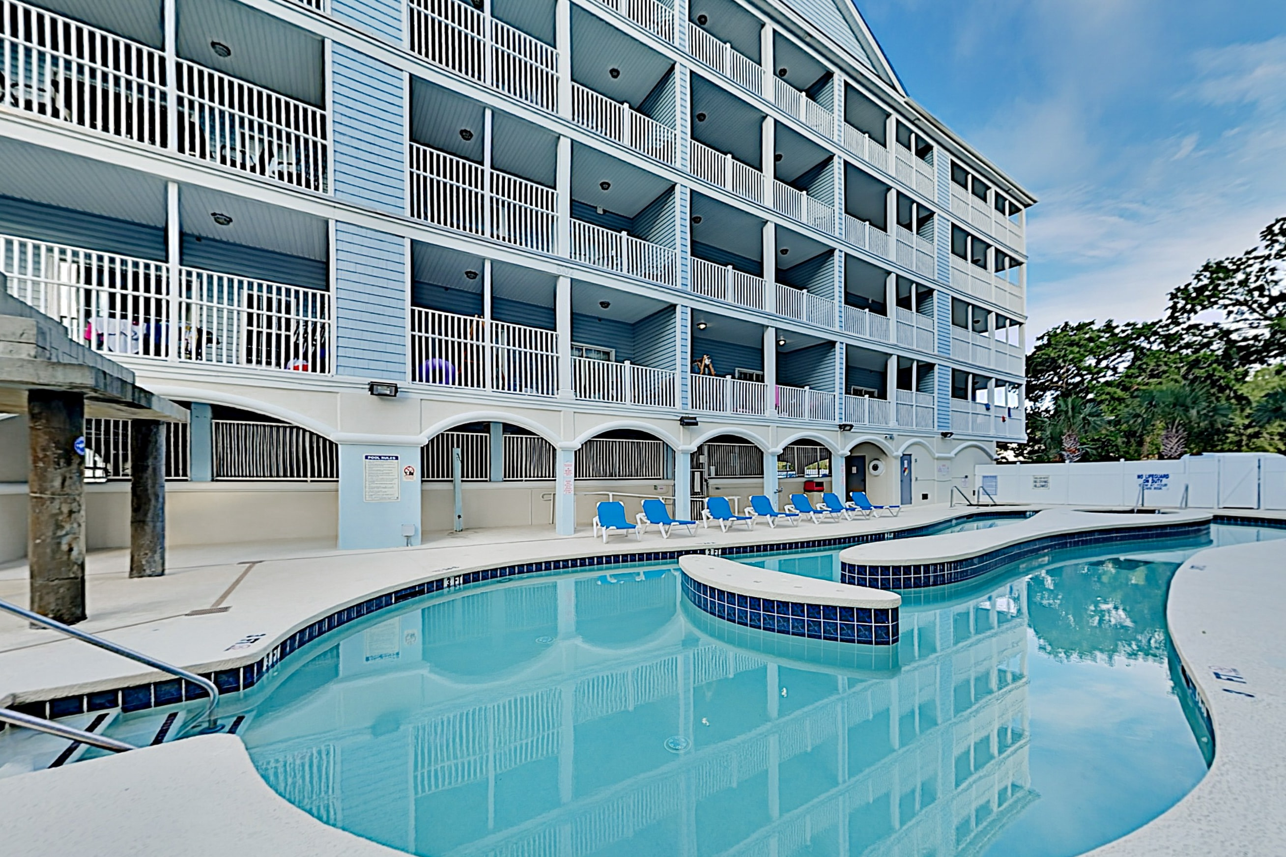 Property Image 2 - Spacious Pool-View Condo with 5 TVs | Lazy River