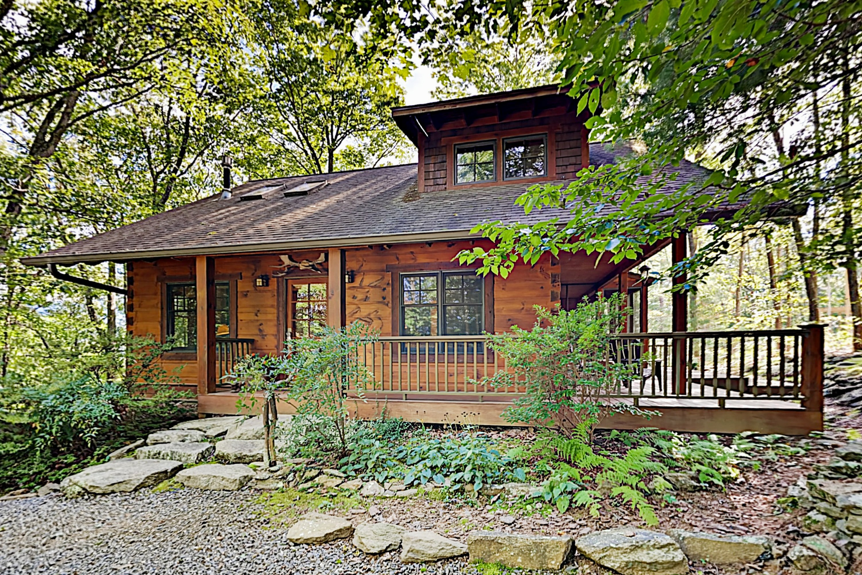 2-Cabin Getaway | Elkhorn Cabin, Eagles Wing Lodge
