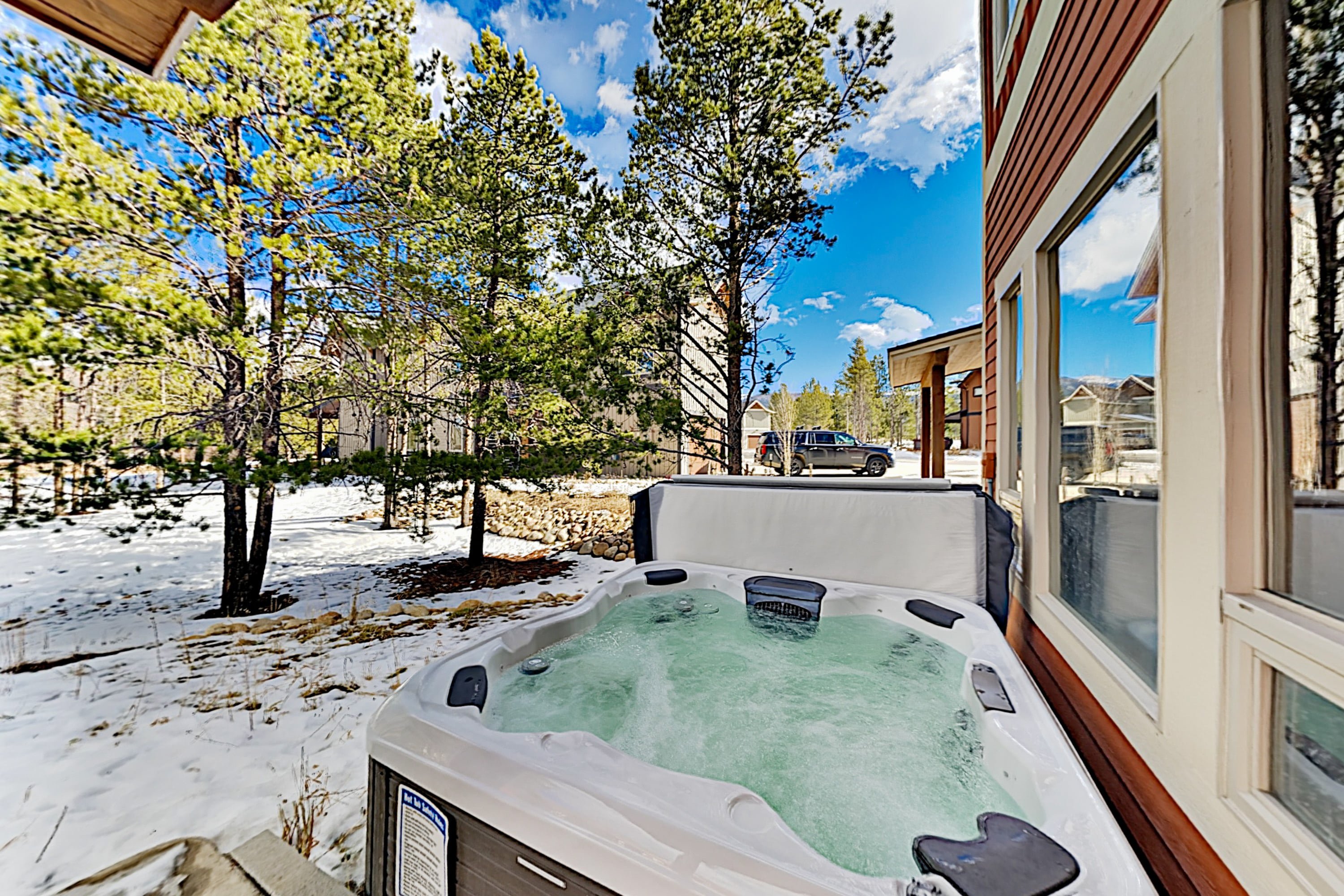 Modern Townhome with Private Hot Tub & Garage