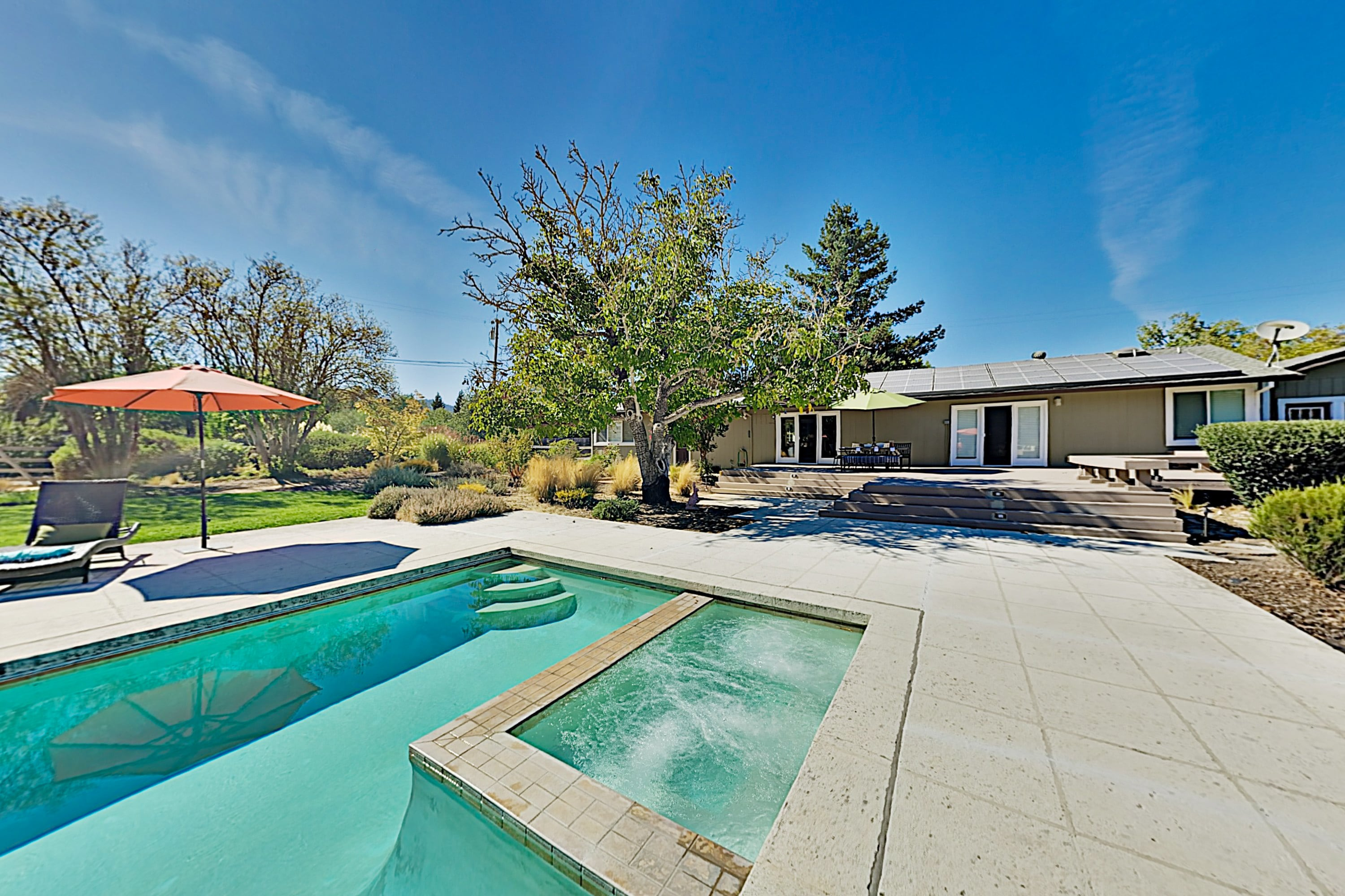 Vina Vista | Wine Country Home & Cottage with Pool