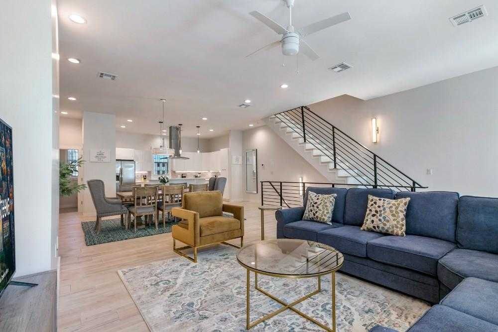Property Image 1 - Modern 4BR Townhouse in Bienville Villas