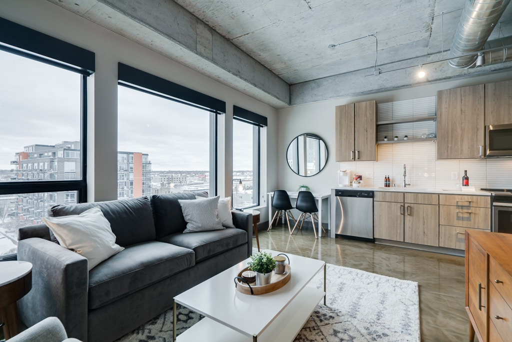 Romantic Minneapolis 1BR Condo with Modern Finishes.