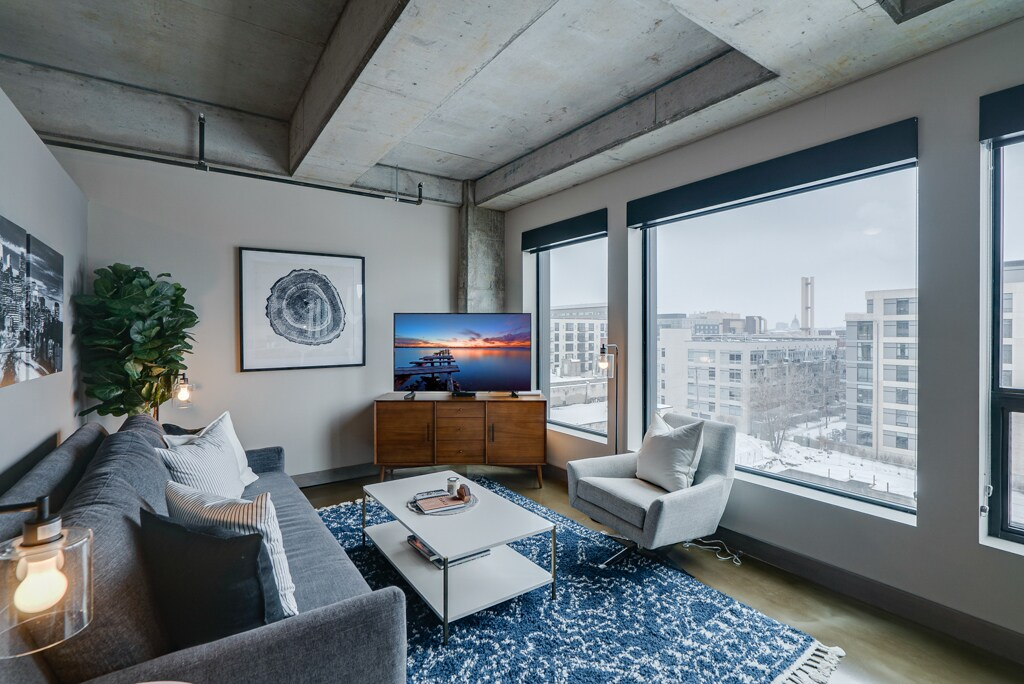 Sleek & Modern 1 Bedroom Condo