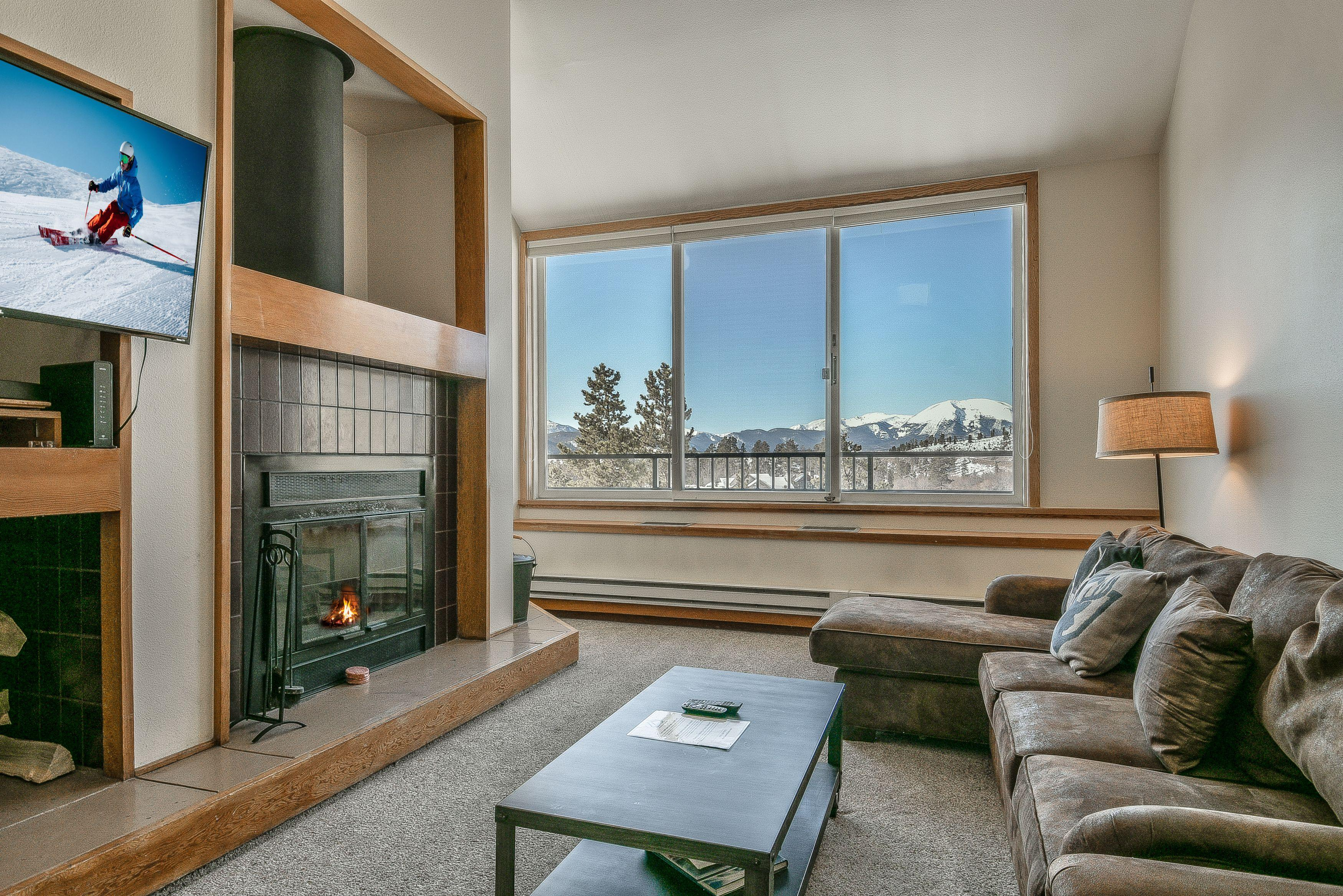 Property Image 2 - Oversized 1 bd condo on Shuttle route with Mountain views