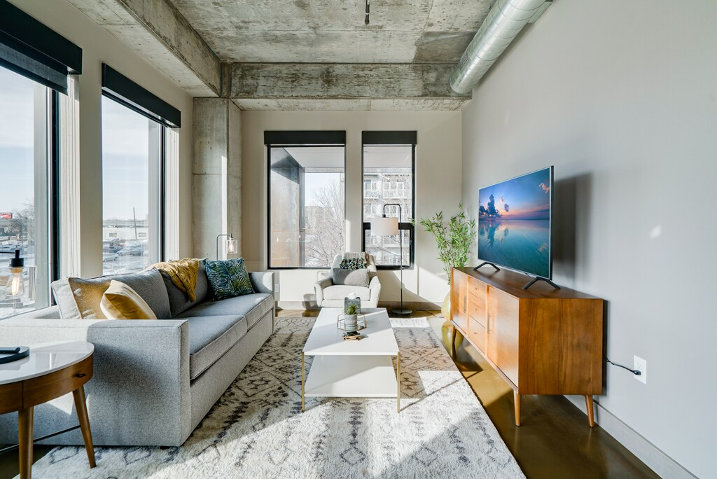 Modern 1 Bedroom Condo in the North Loop