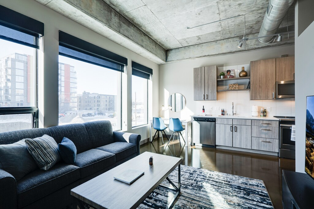 Beautiful One Bedroom Condo in the North Loop