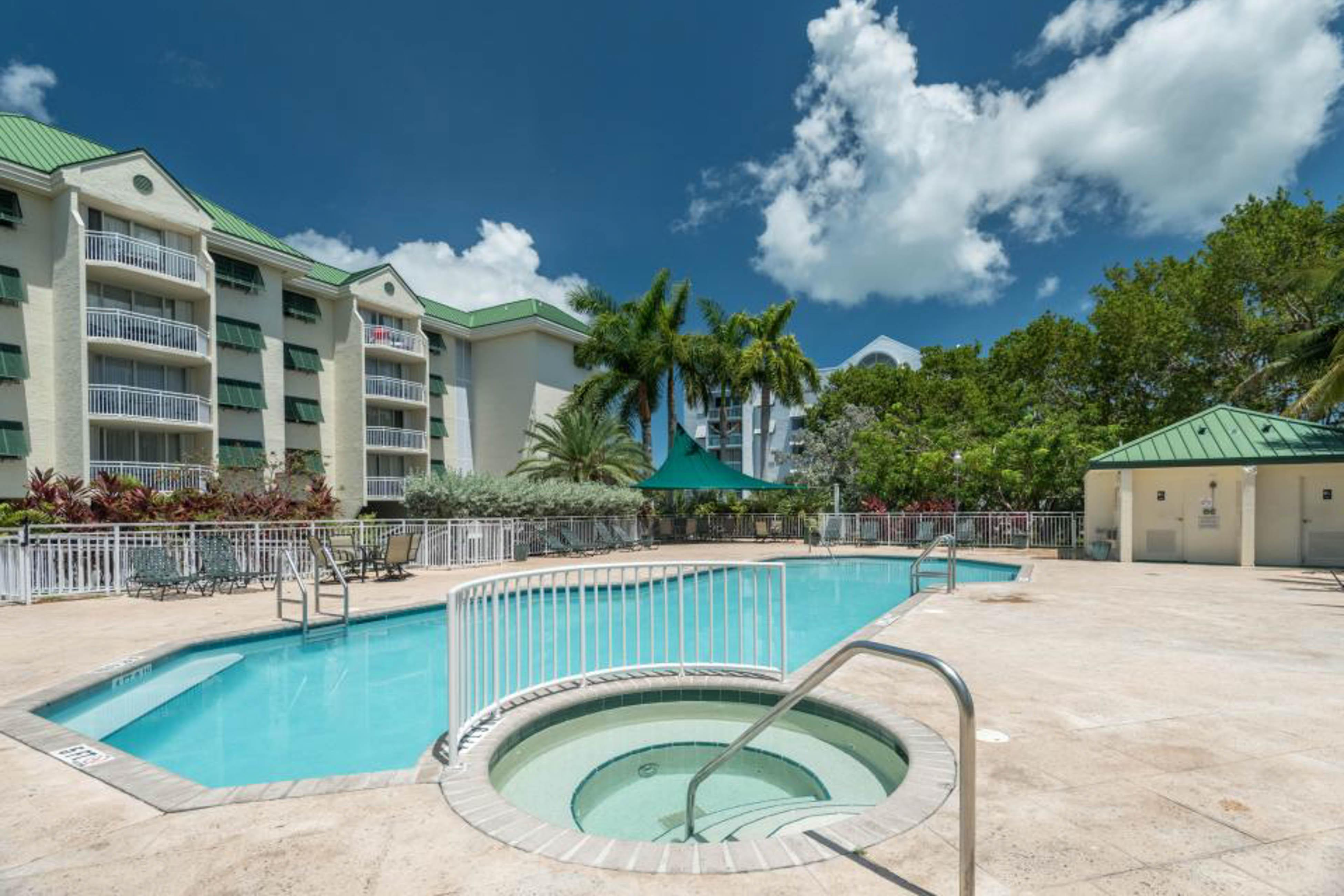 Property Image 2 - Sunrise Suites - Grand Bahama Suite 106