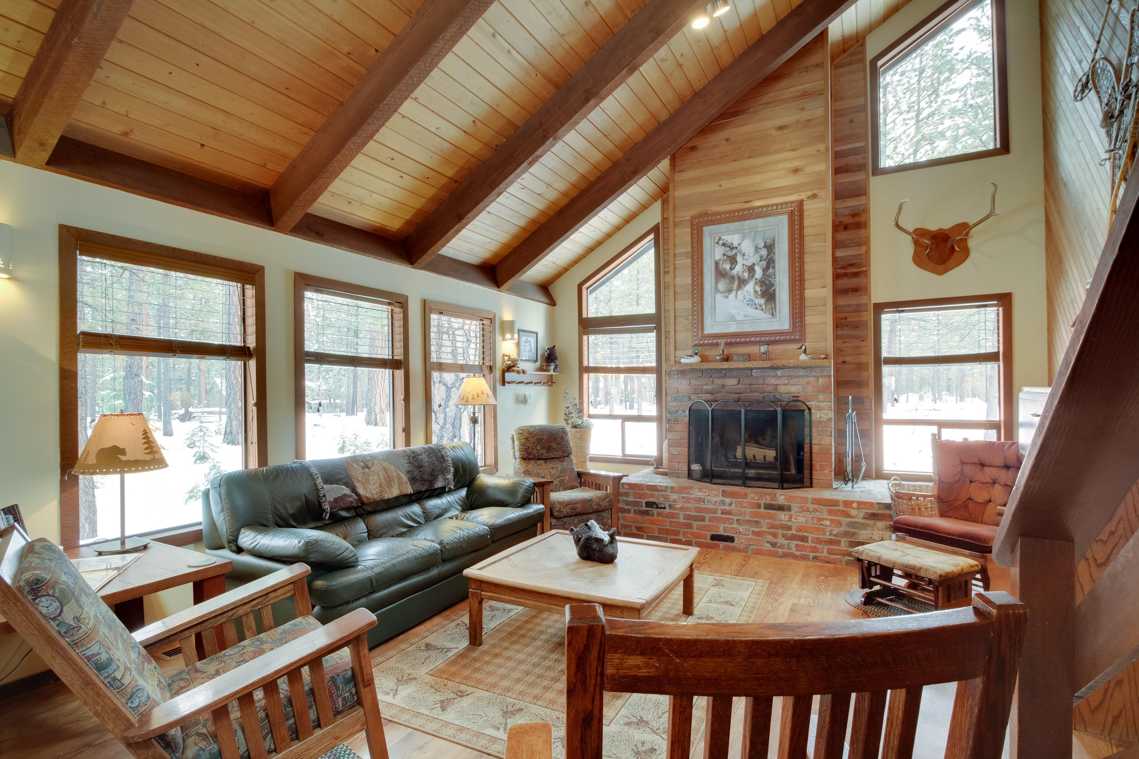 Property Image 1 - Cabin in the Pines - Black Butte Ranch SM 144