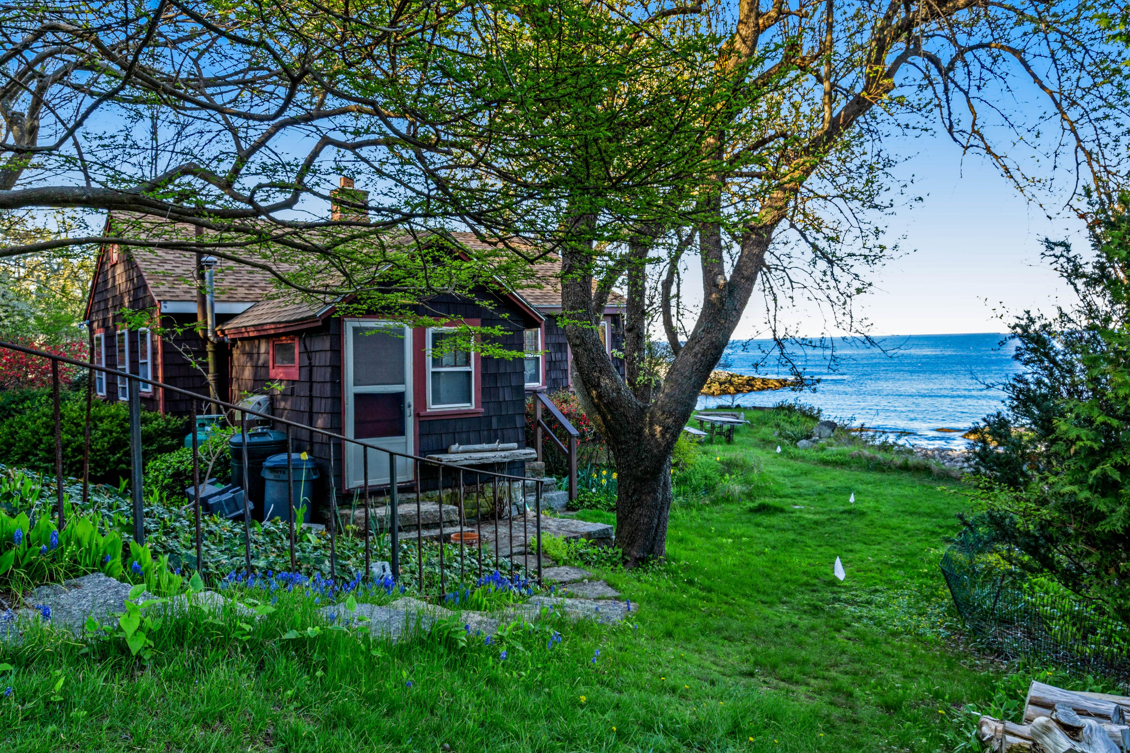 Rustic Rockport Cottage