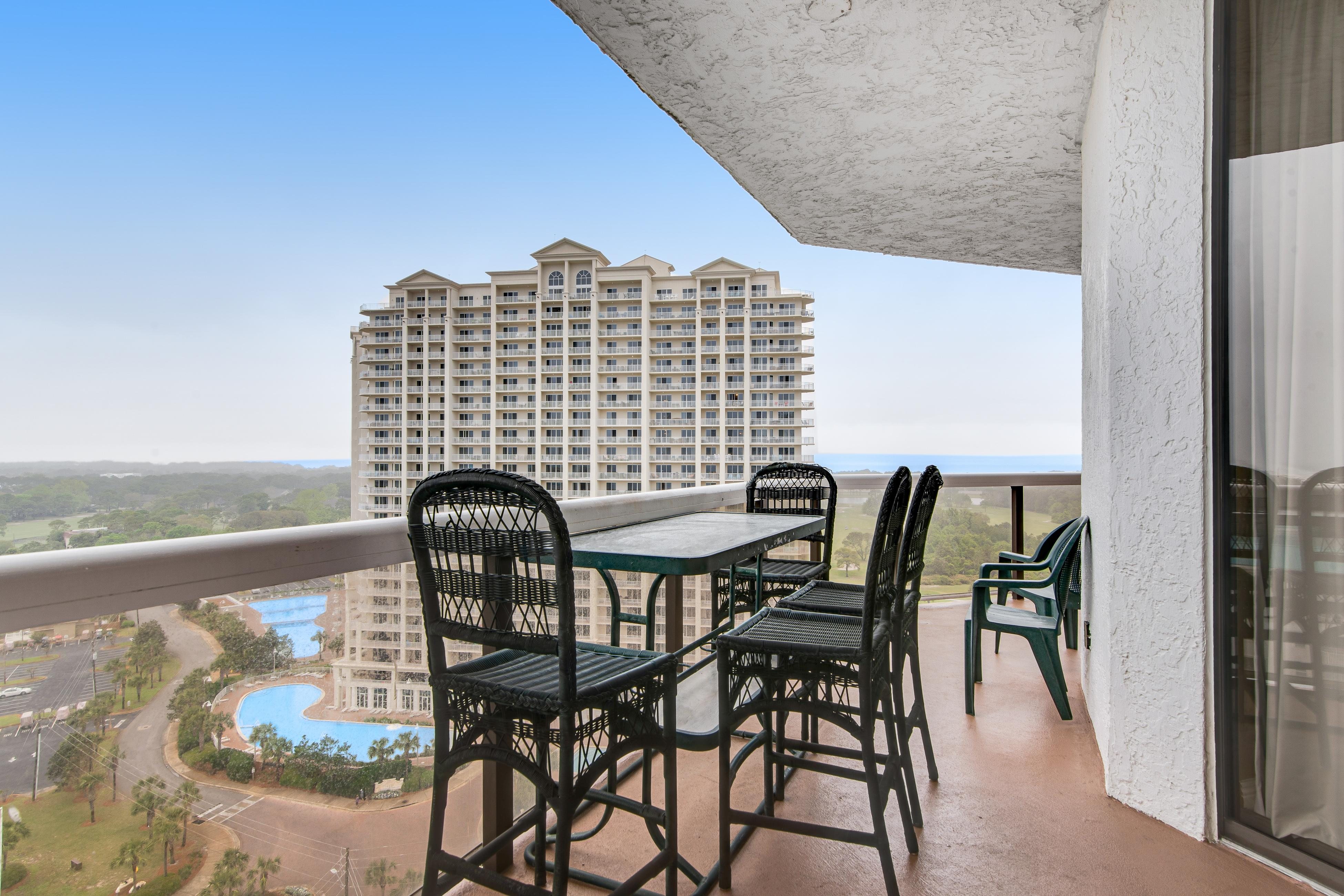 Property Image 2 - Surfside Resort  1512