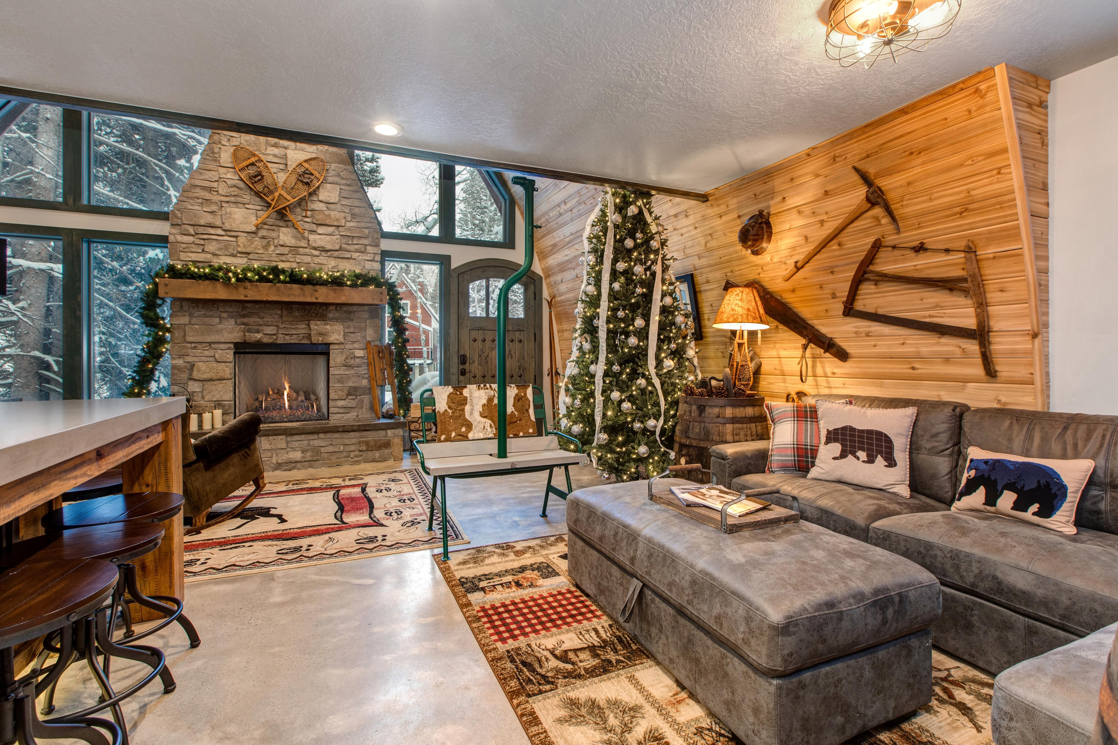 Property Image 2 - luxury cottage Nestled in the pines and aspens with hot tub & game room