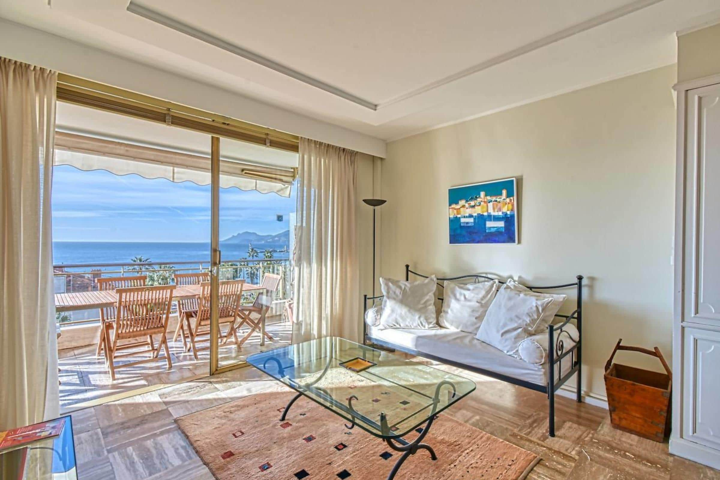 Amazing Sea View Flat, 1min to the Beach and Palais