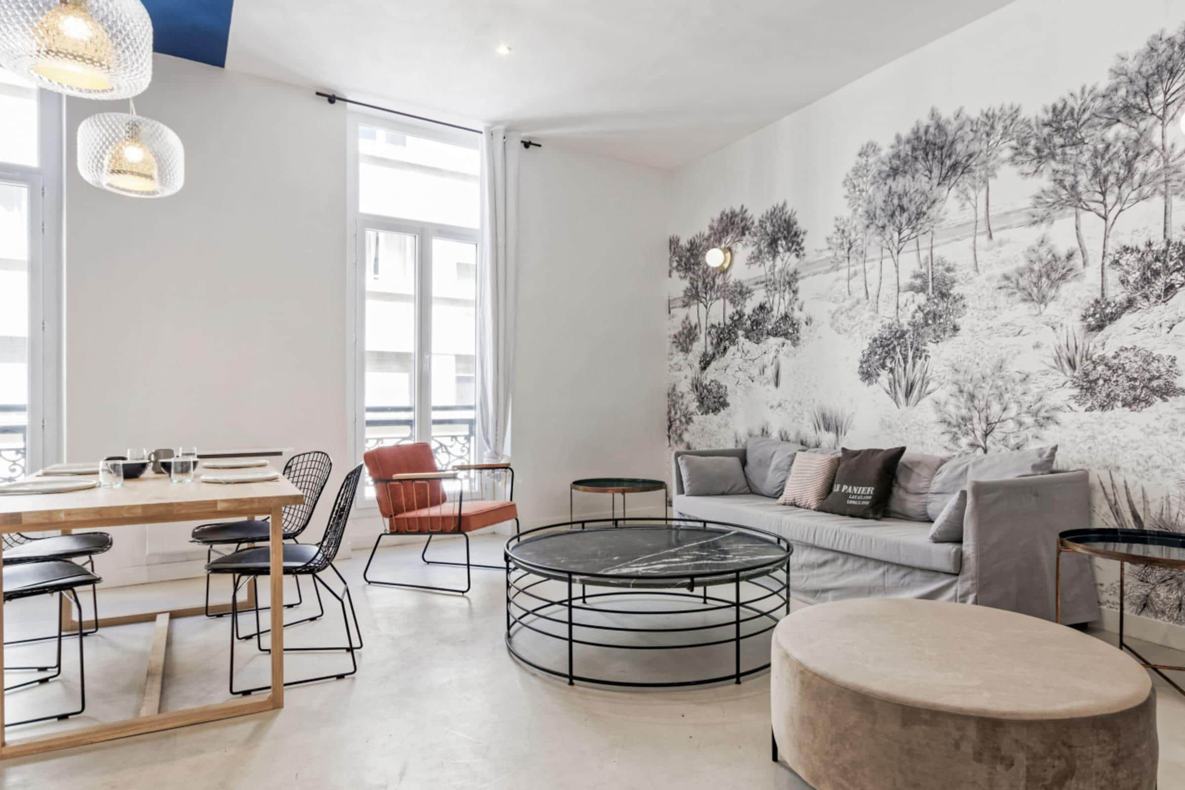 Property Image 1 - Marseille Exquisite Chic Apartment with High Ceilings