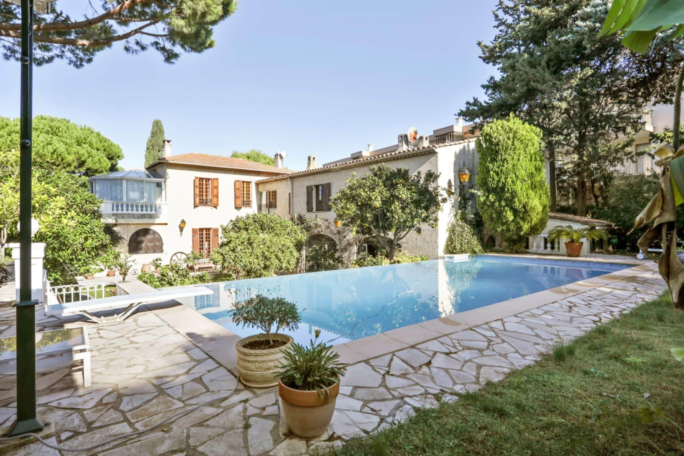 Property Image 1 - Charming Classic Apartment with Private Pool and Garden