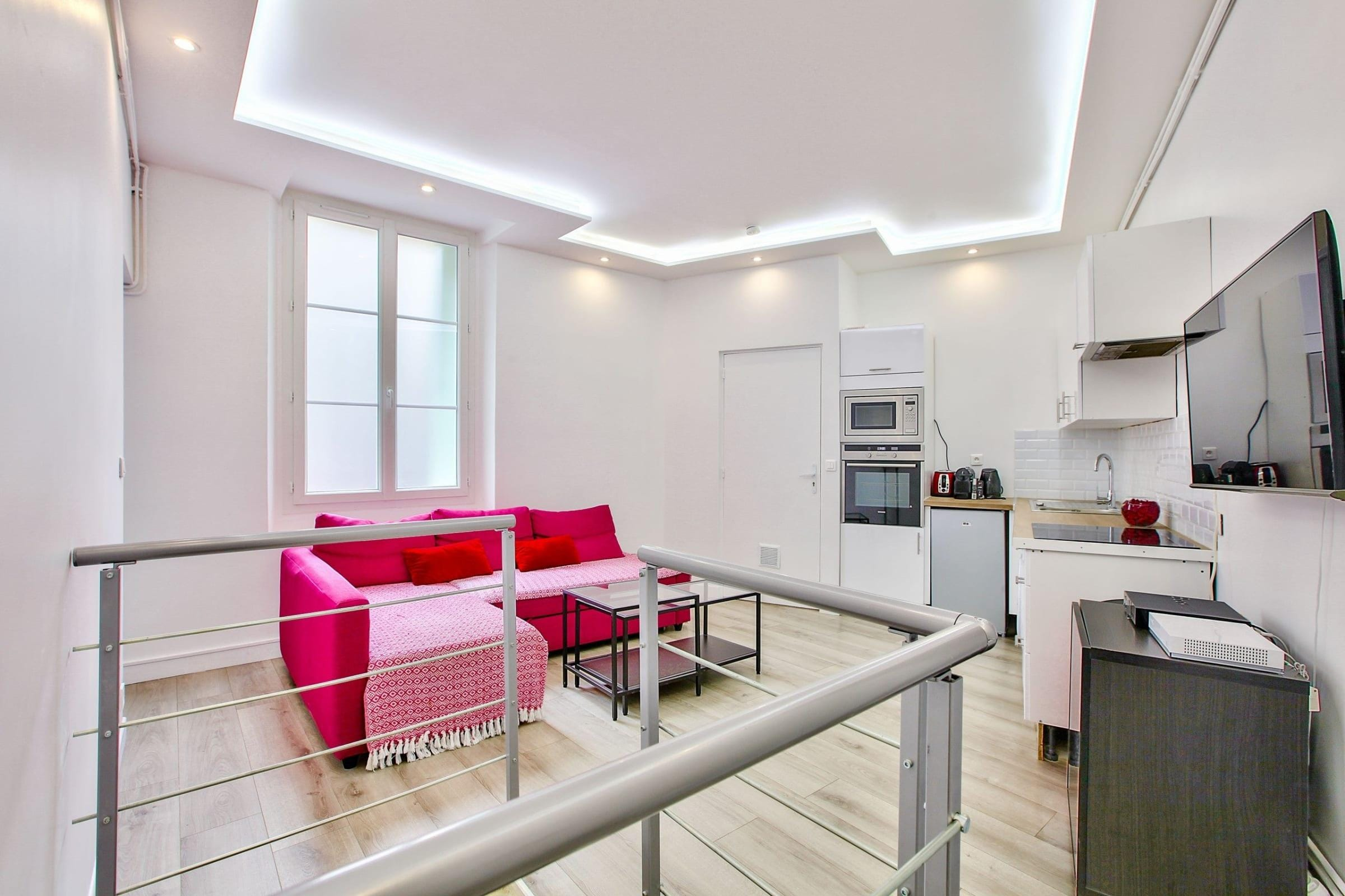 Captivating and Lively Apartment near Pompidou Center