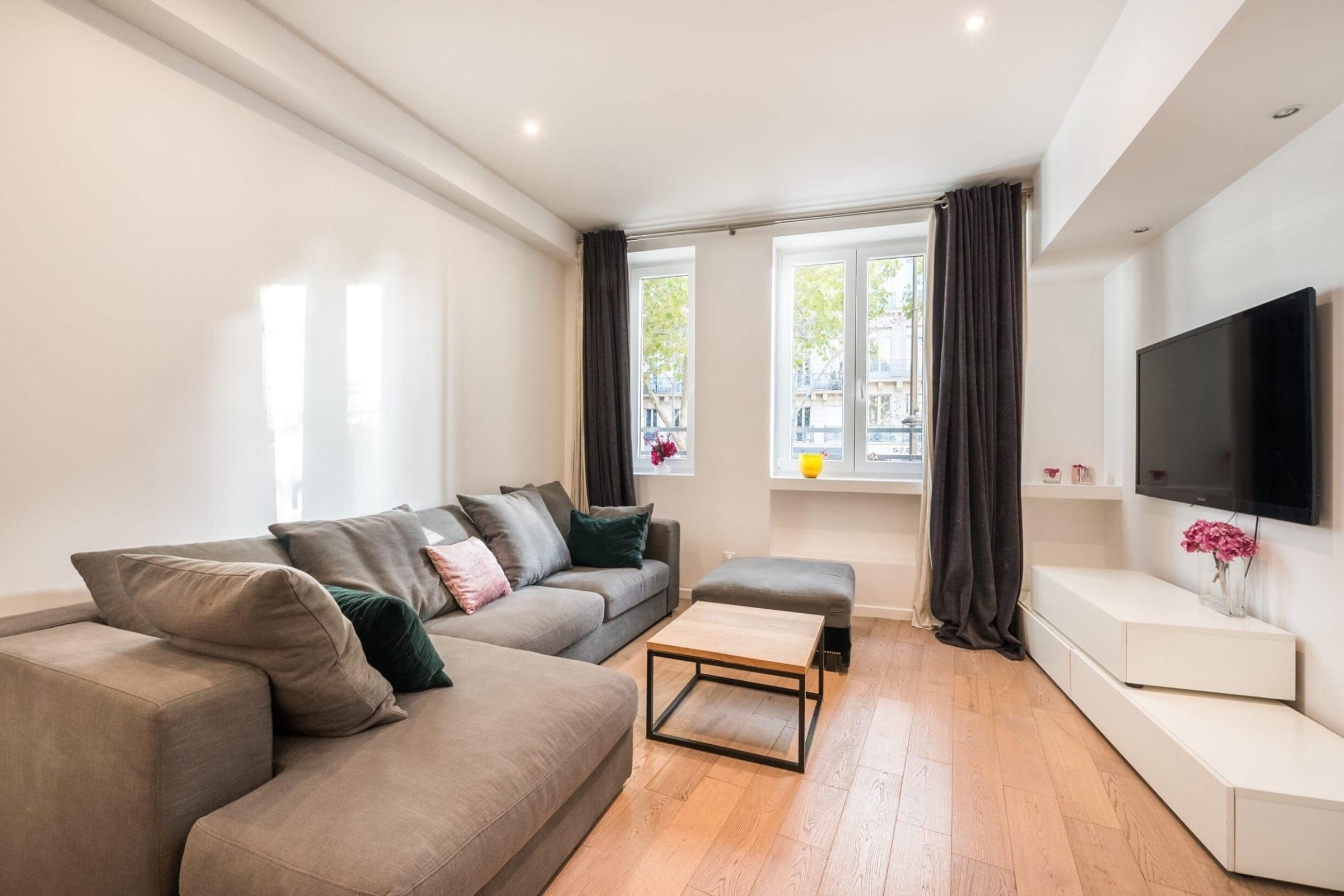 Amazing Two Bedroom Appartment in St Germain des Près
