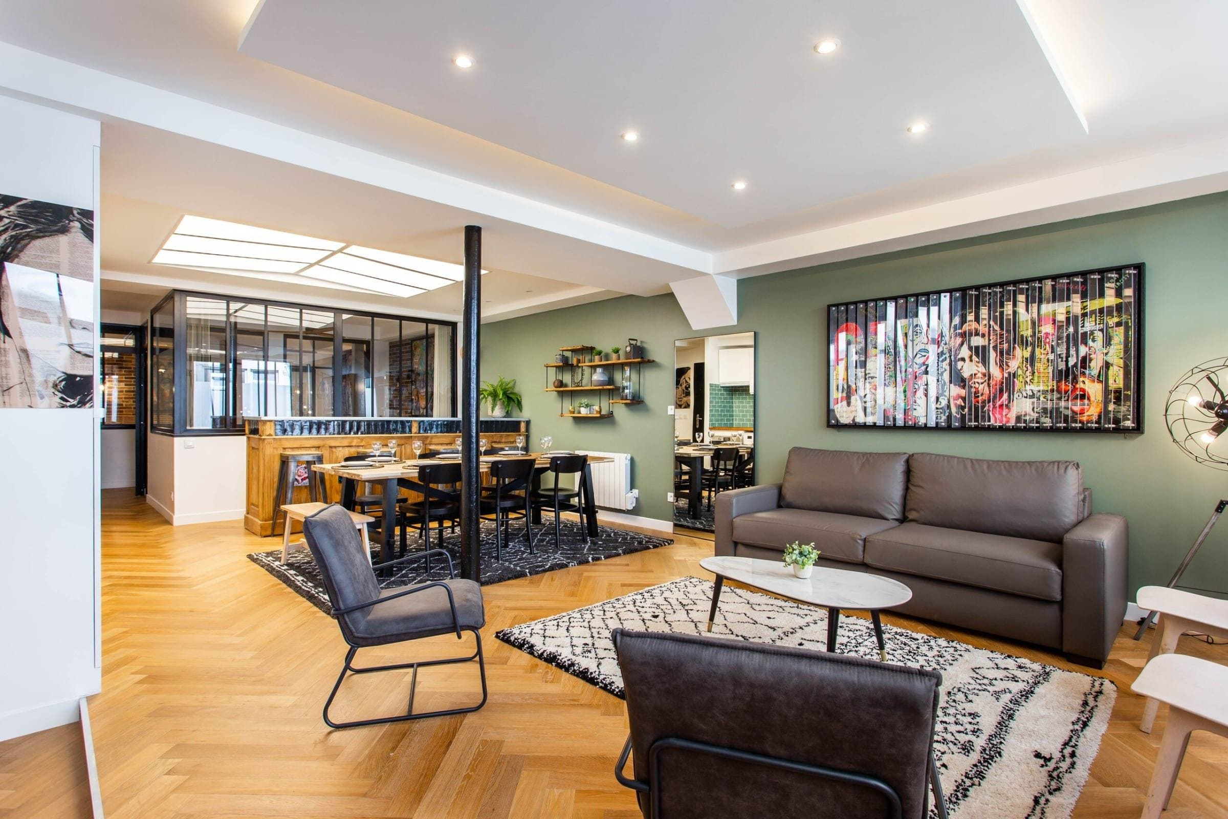 Property Image 1 - Lavish Apartment with Trendy Decor at Popincourt