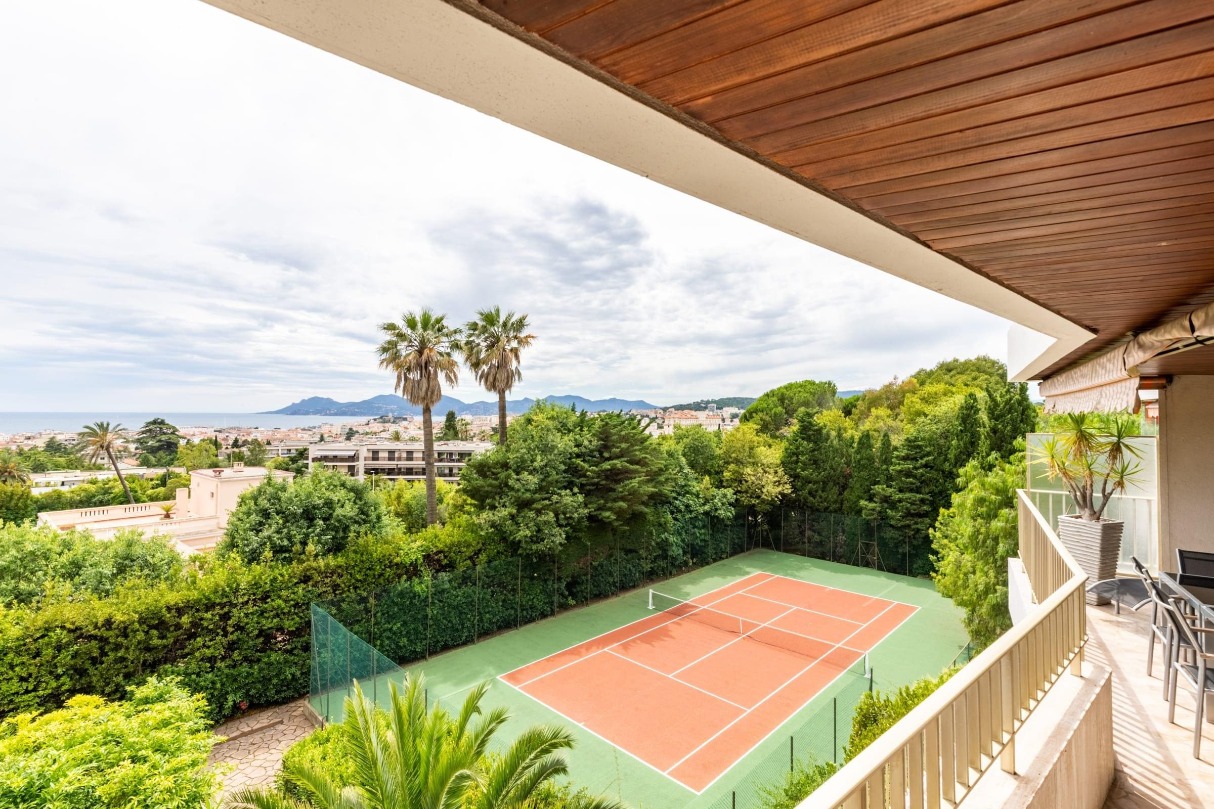 Stunning Apartment within Thorenc Castle (Pool & Tennis Court!)