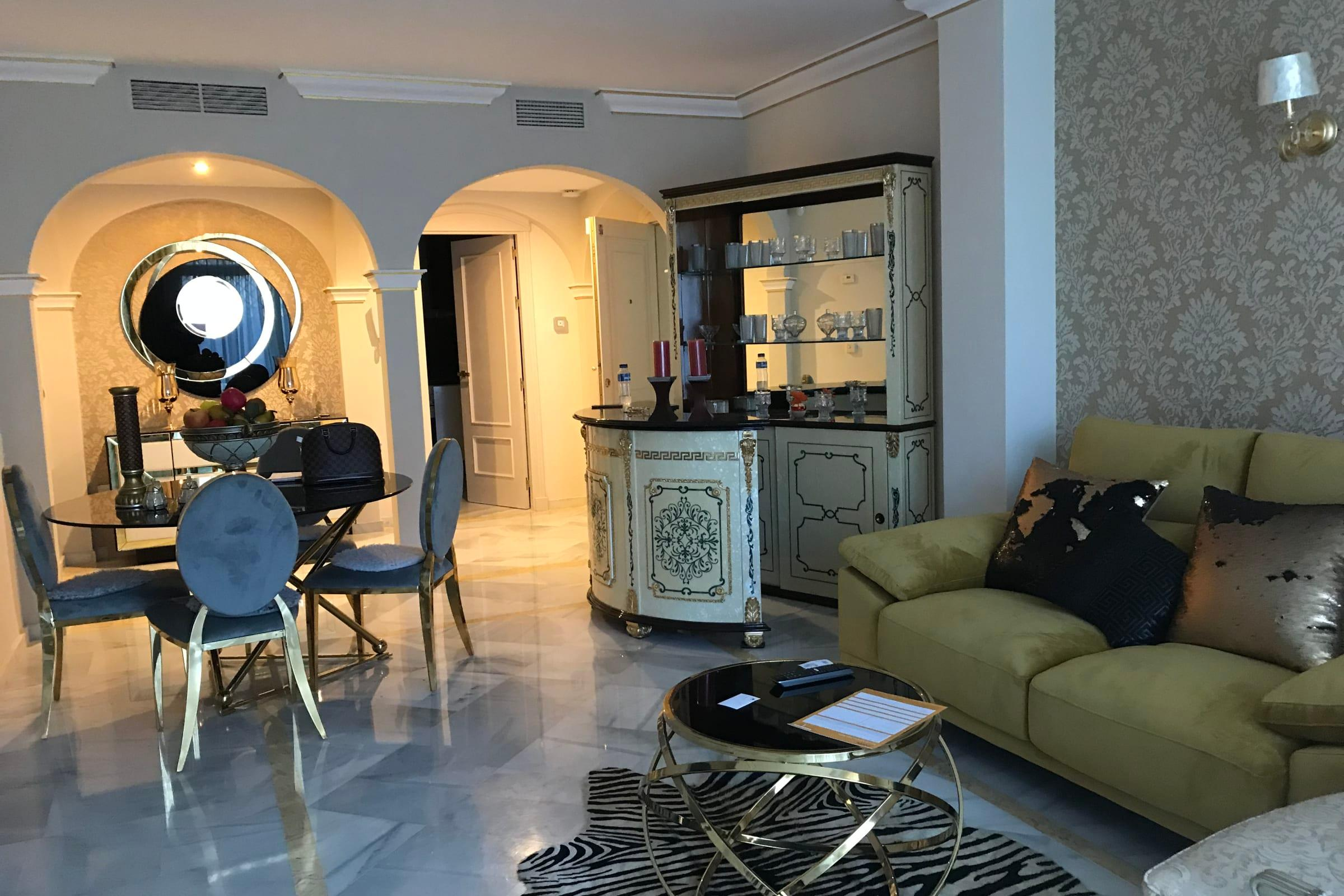 Magna Marbella Luxurious apt. at 5 mins from the beach