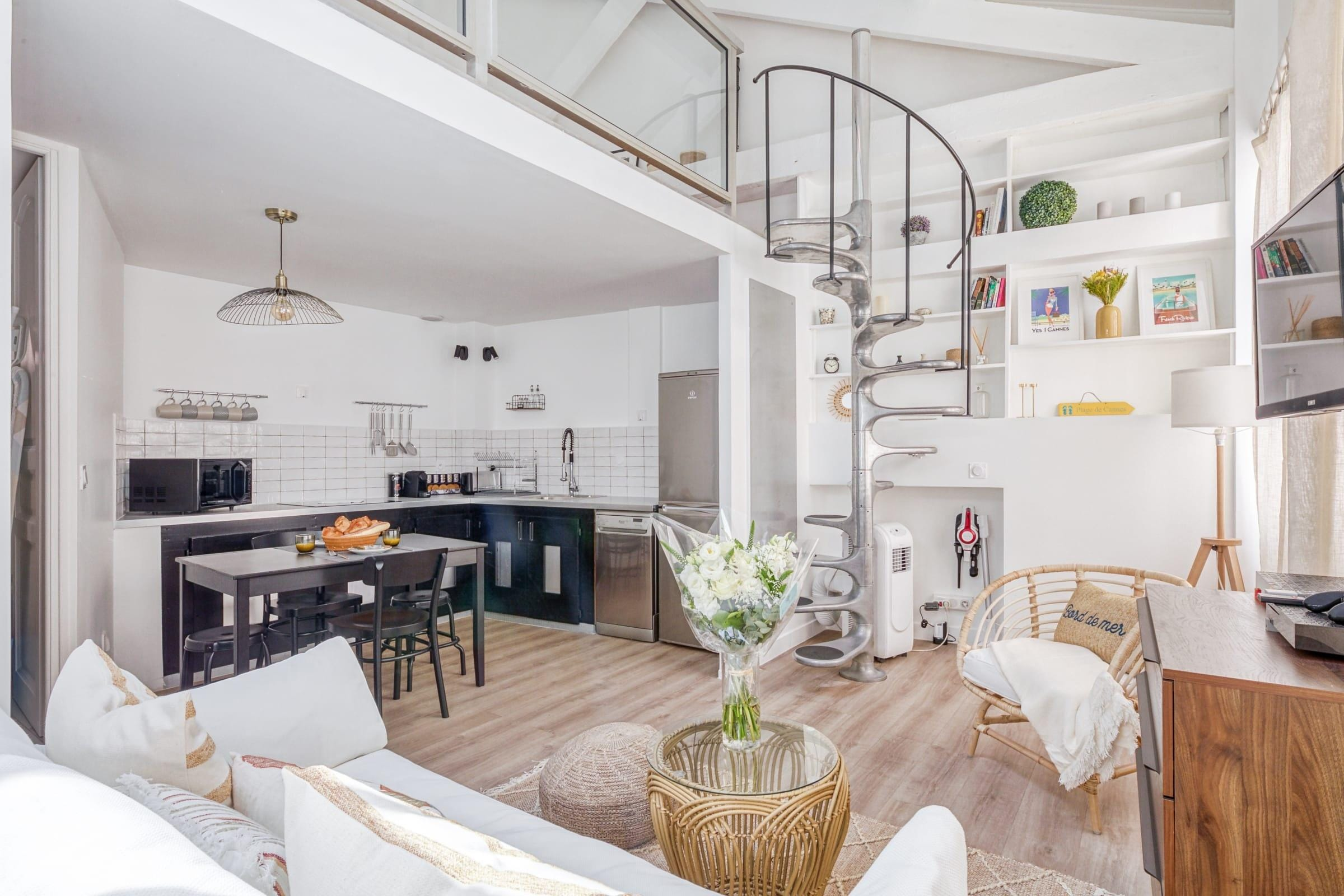 Stunning Mezzanine Apartment in the Heart of Cannes
