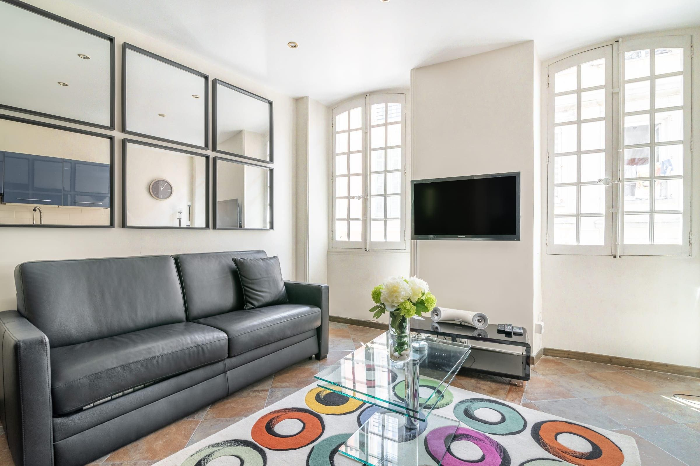 Fabulous and Modern three Family Apt – Croisette