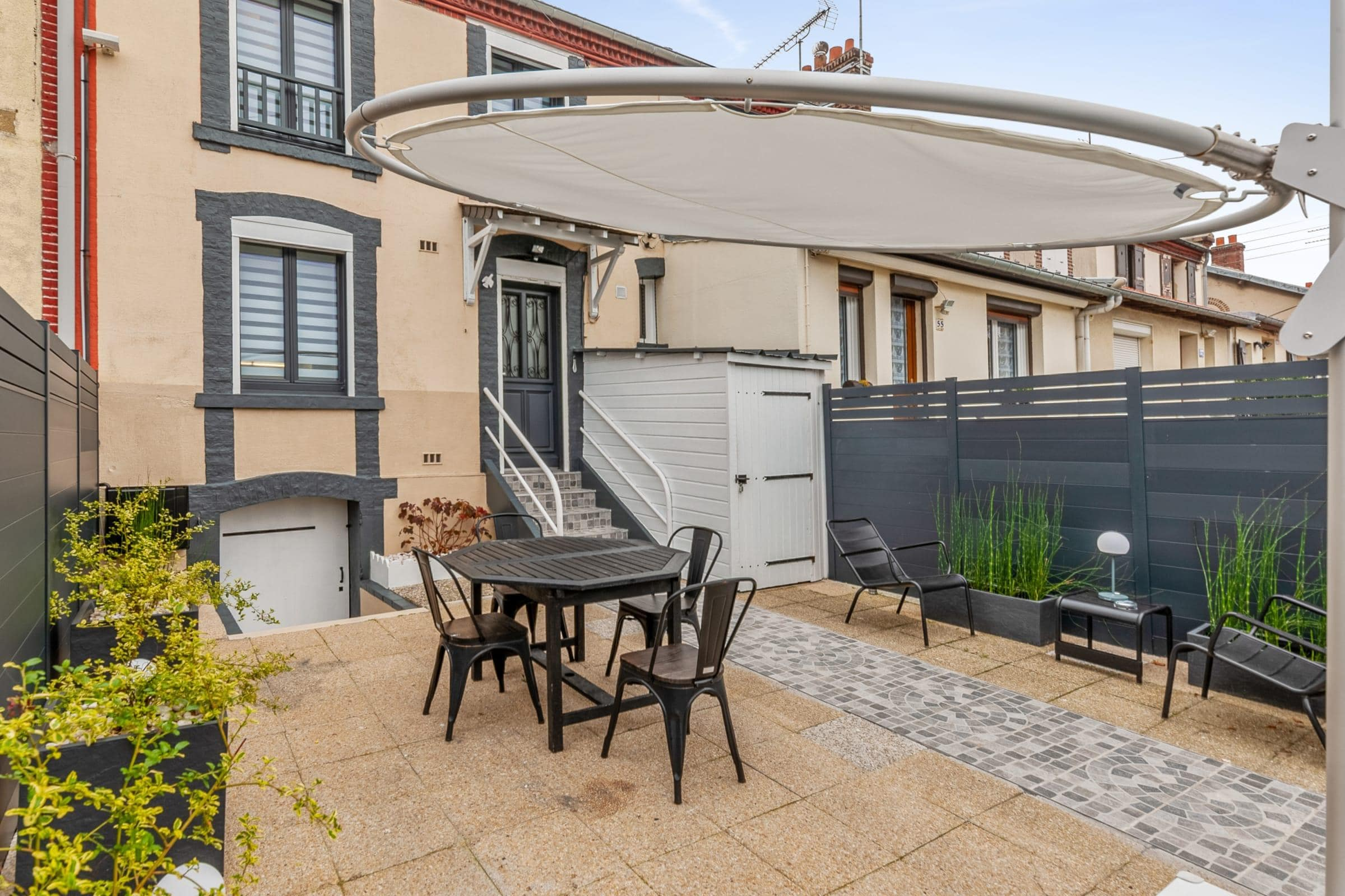 Property Image 1 - Charming House with a Large Terrace near the Beach