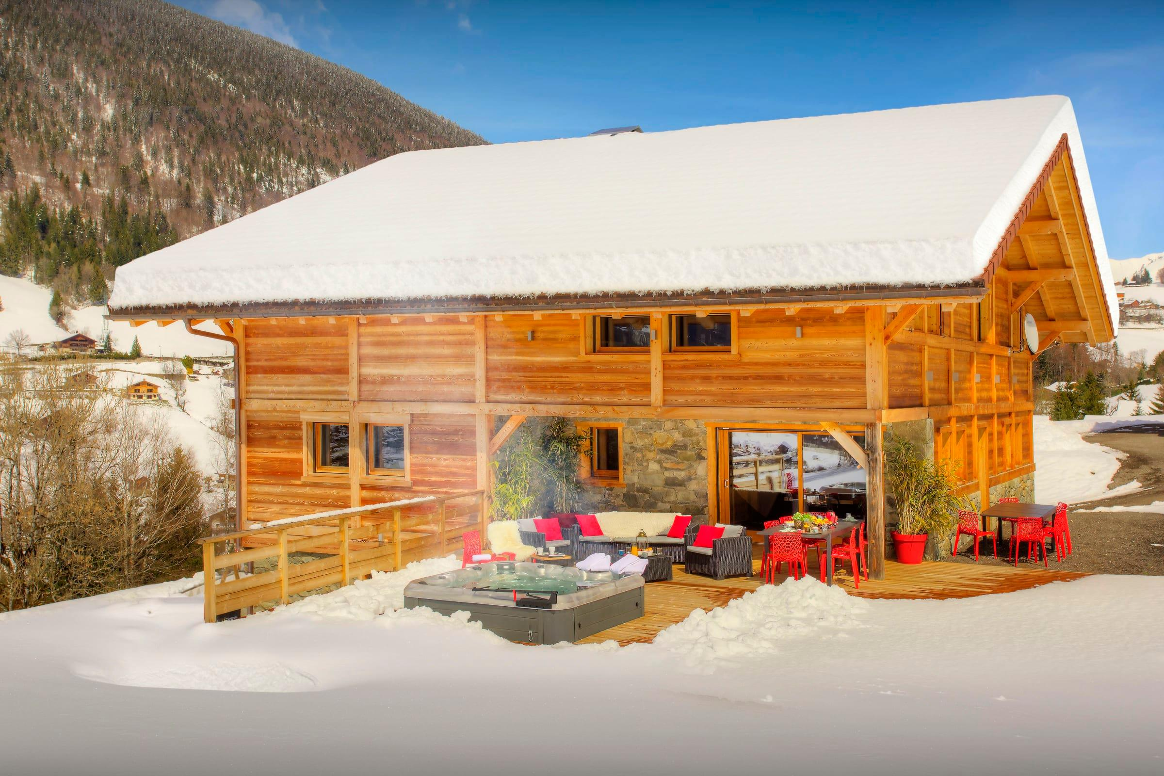 Property Image 1 - Large Luxurious Chalet With Hot Tub and Terrace