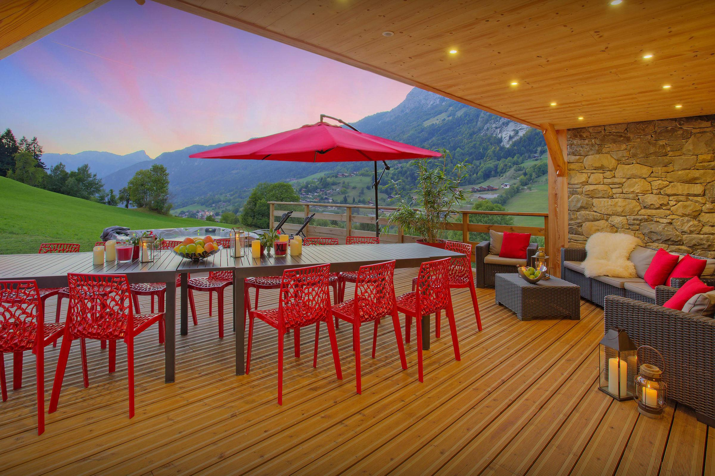 Property Image 2 - Large Luxurious Chalet With Hot Tub and Terrace