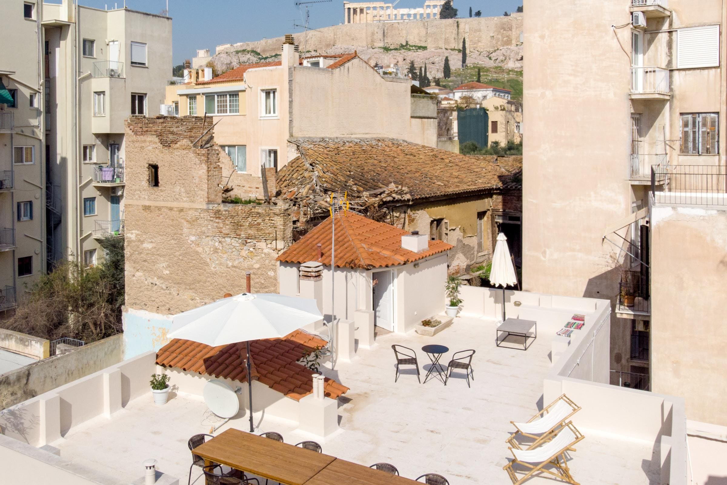 Property Image 2 - 6BR Townhouse with Huge Roof Terrace and Acropolis View