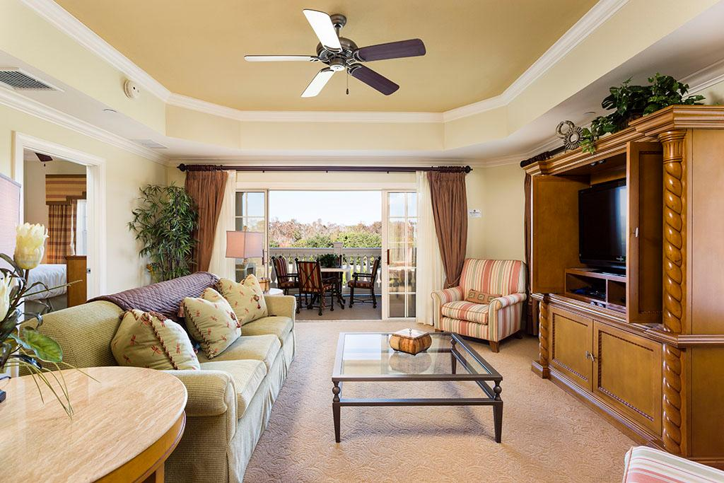 Spacious Condo with Balcony Access at Reunion