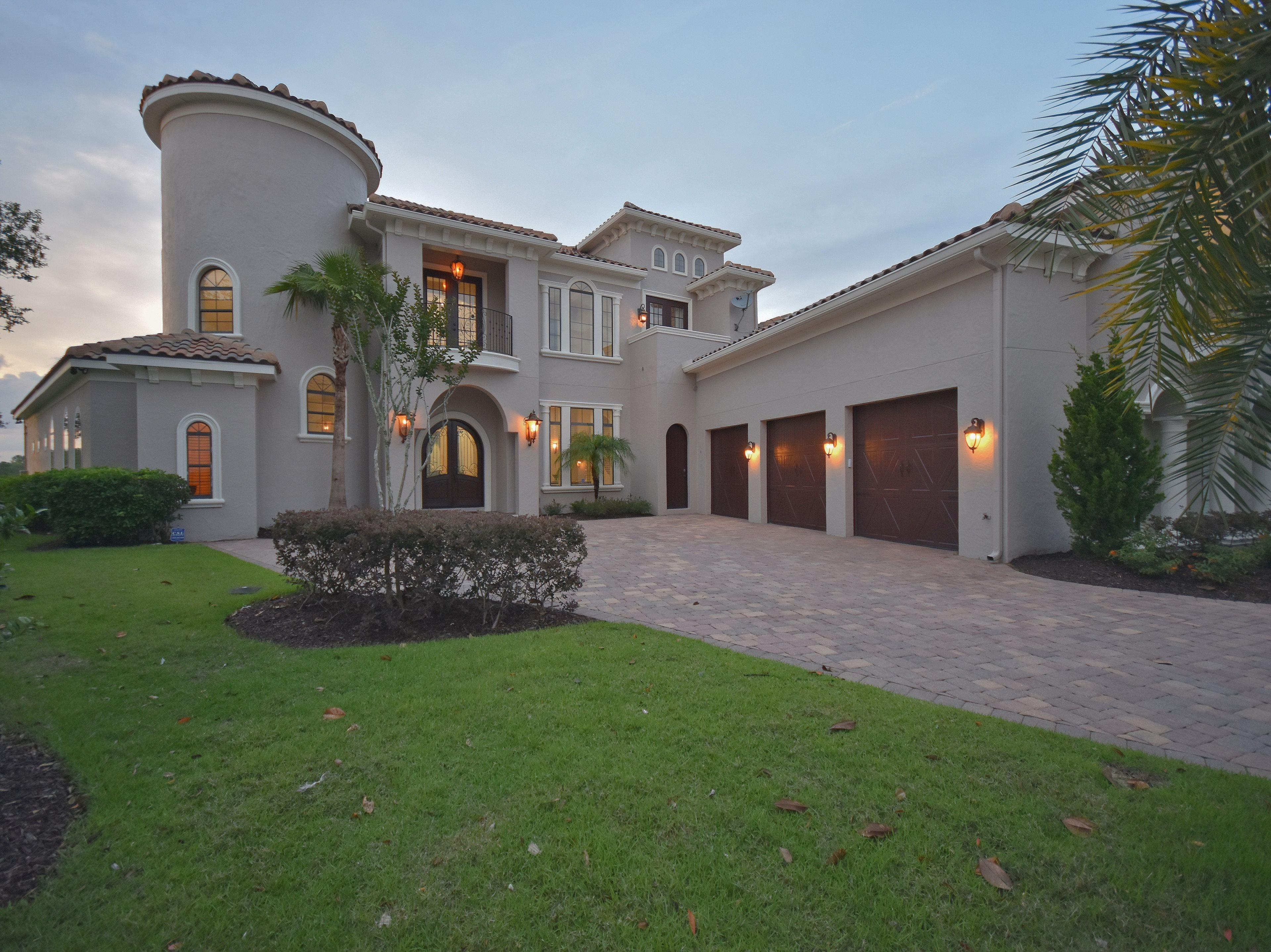 Traditional Estate with Golf Views at Reunion