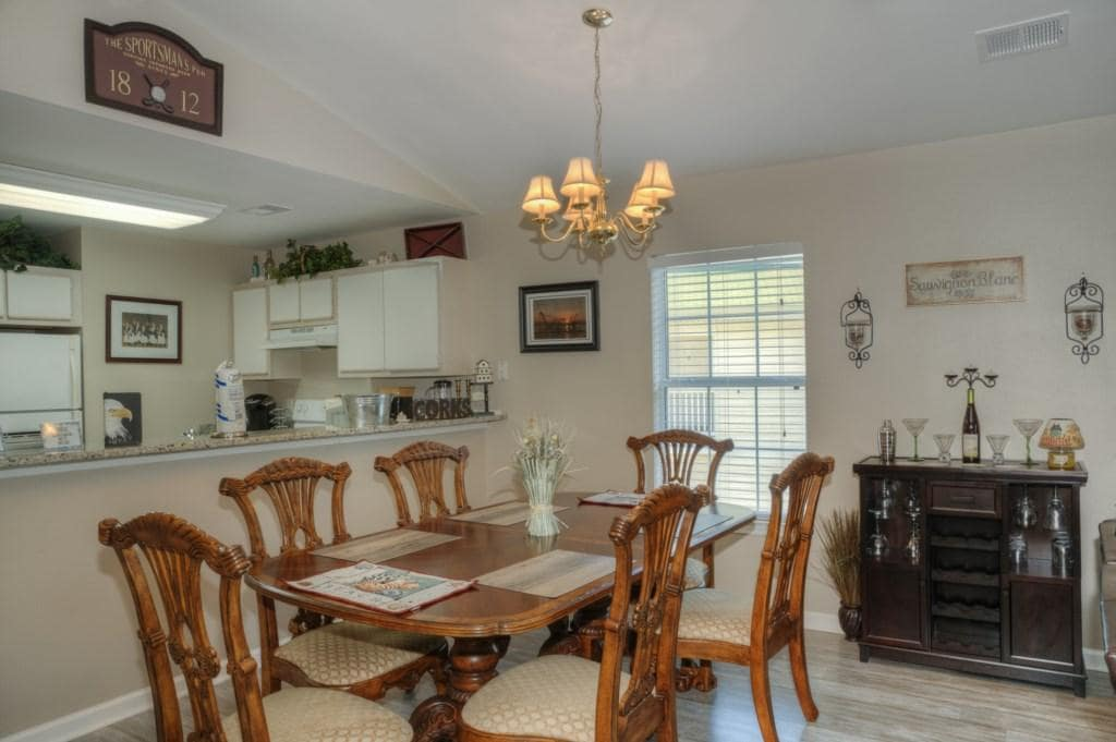Homey Condo Located on Golf Course
