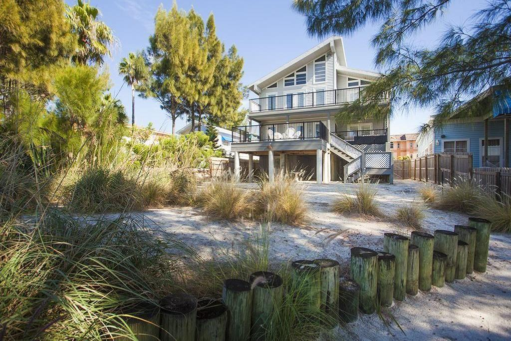 Five Bedroom Beach Home with Lower and Upper Back Deck
