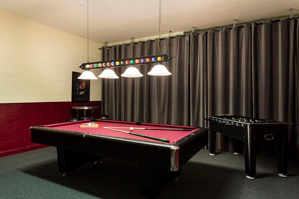 Delightful Home with Fun Game Room at Reunion