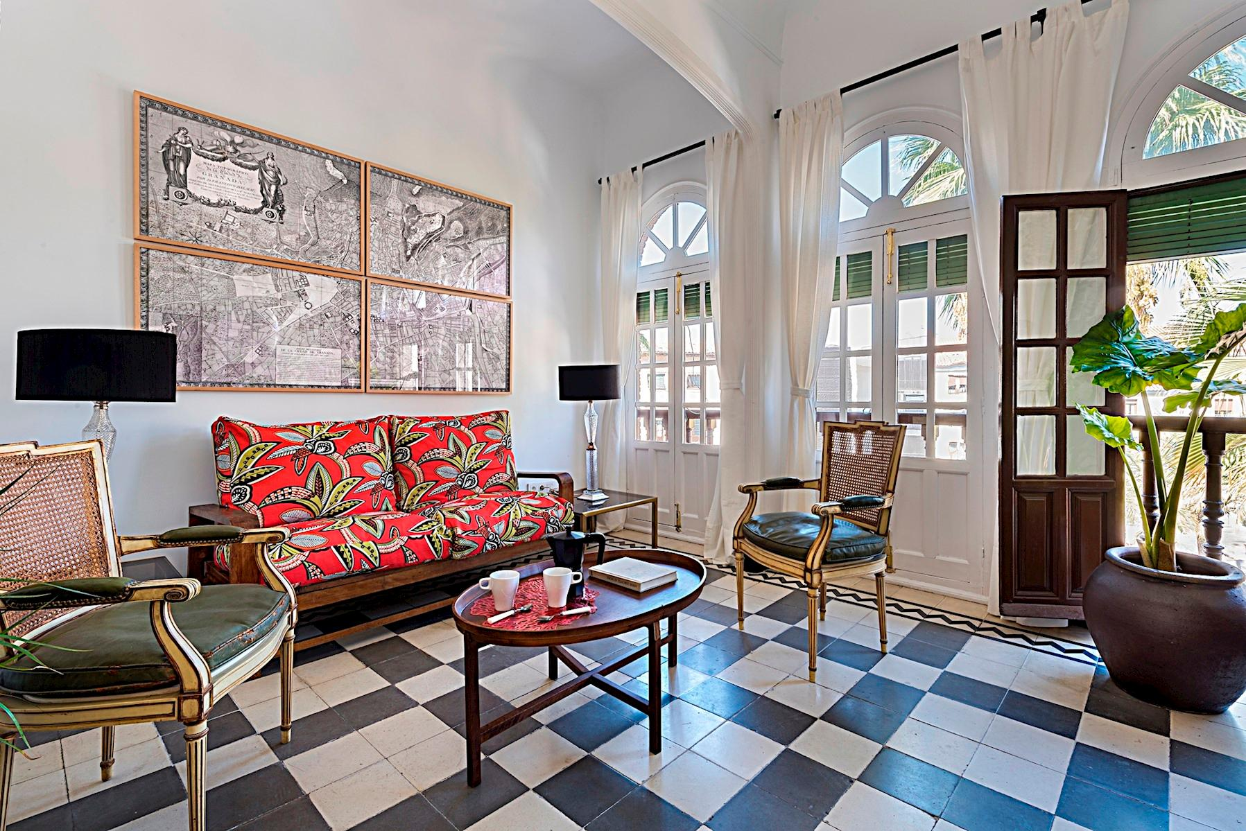 Stylish Romanilla Apartment near Cathedral of Granada
