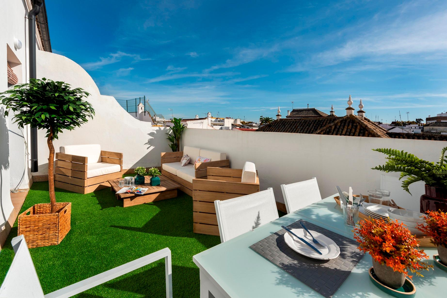 Property Image 1 - Outstanding Penthouse in a Typical Sevillian Quarter