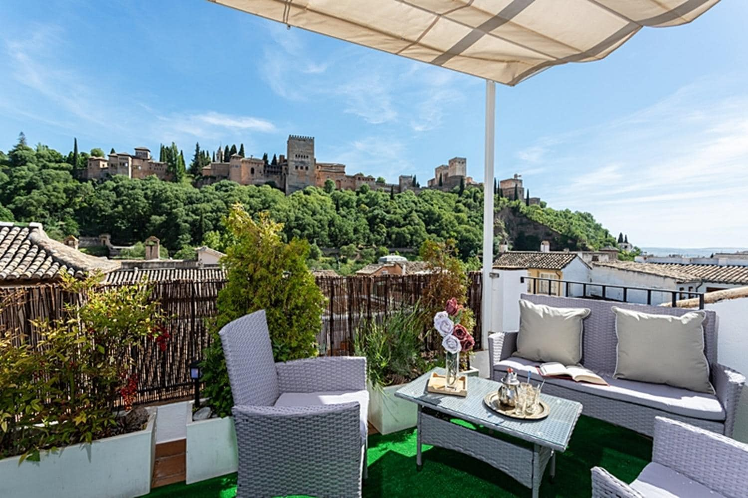 Unique Apartment with Stunning Alhambra Views